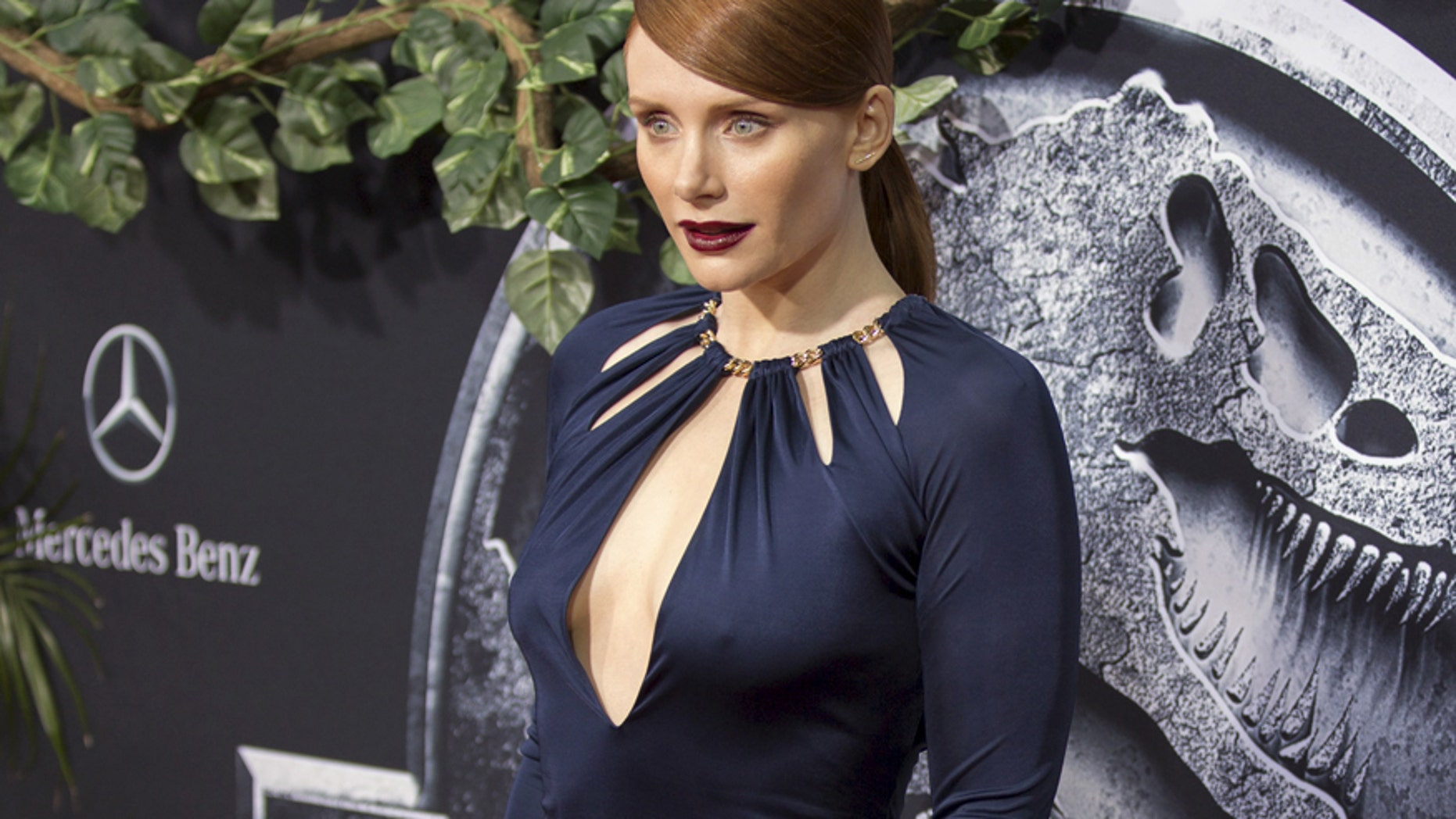 """Cast member Bryce Dallas Howard poses at the premiere of """"Jurassic World"""" in Hollywood, California June 9, 2015. The movie opens in the U.S. on June 12."""