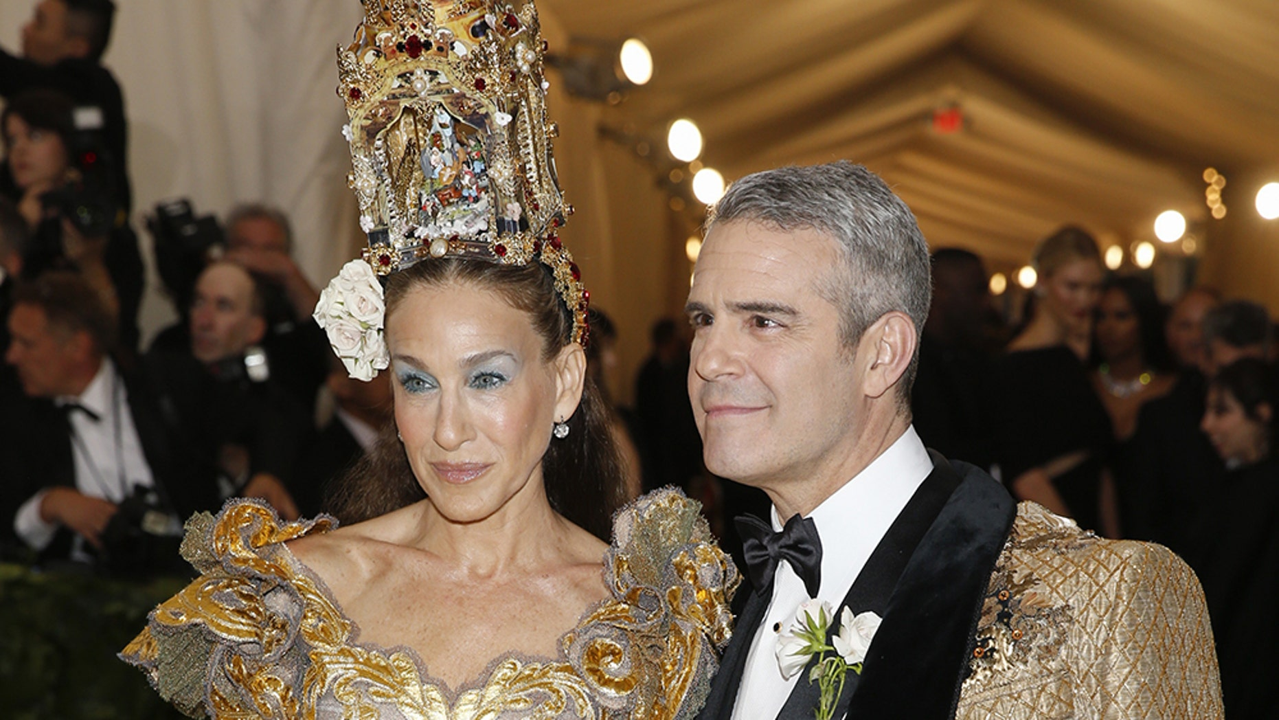 """Sarah Jessica Parker and Andy Cohen arrive at the Metropolitan Museum of Art Costume Institute Gala (Met Gala) to celebrate the opening of """"Heavenly Bodies: Fashion and the Catholic Imagination"""" in the Manhattan borough of New York, U.S., May 7, 2018."""