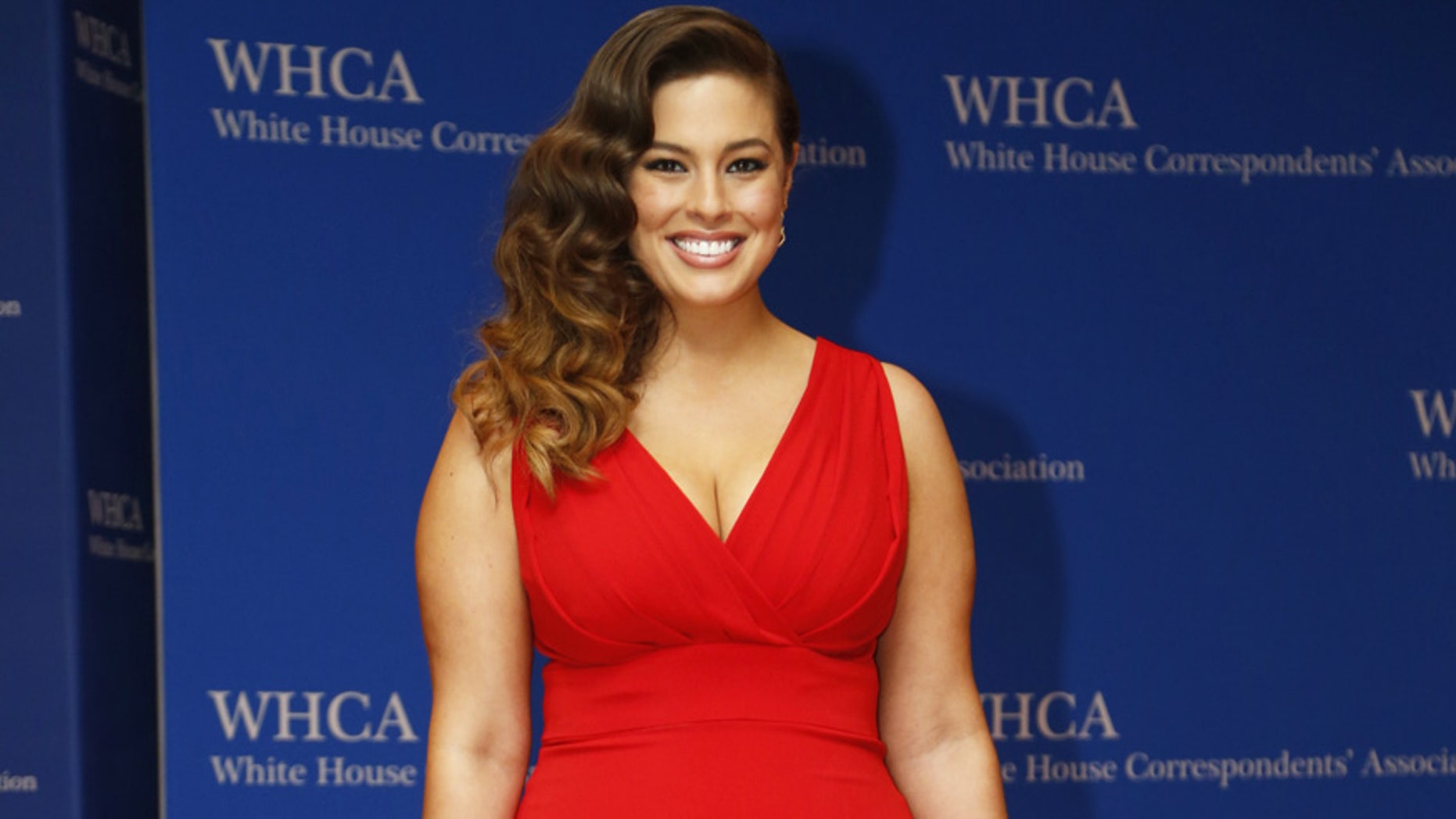 Model Ashley Graham arrives on the red carpet for the annual White House Correspondents Association Dinner in Washington, U.S., April 30, 2016.