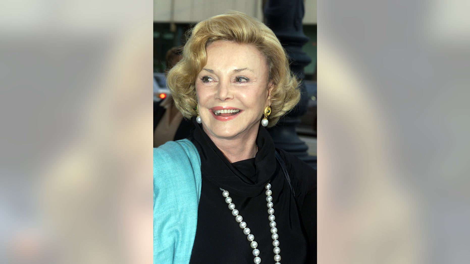 Barbara Sinatra, [widow of singer Frank Sinatra], arrives for a memorial tribute to Austrian film director [Billy Wilder in Beverly Hills, May 1, 2002. Wilder died on March 27, 2002.] - RTXL8G8