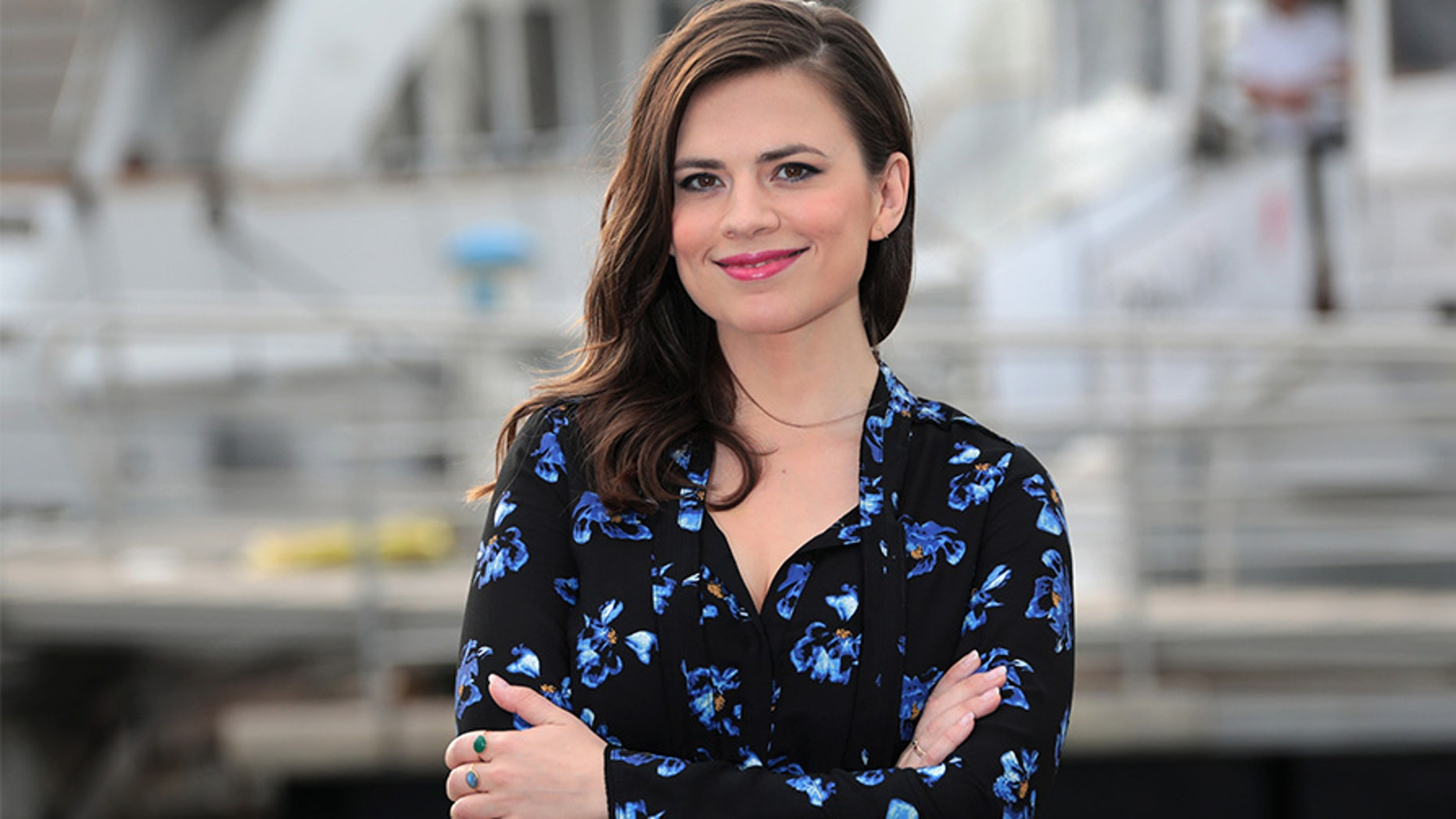 Hayley Atwell dishes on her love life.