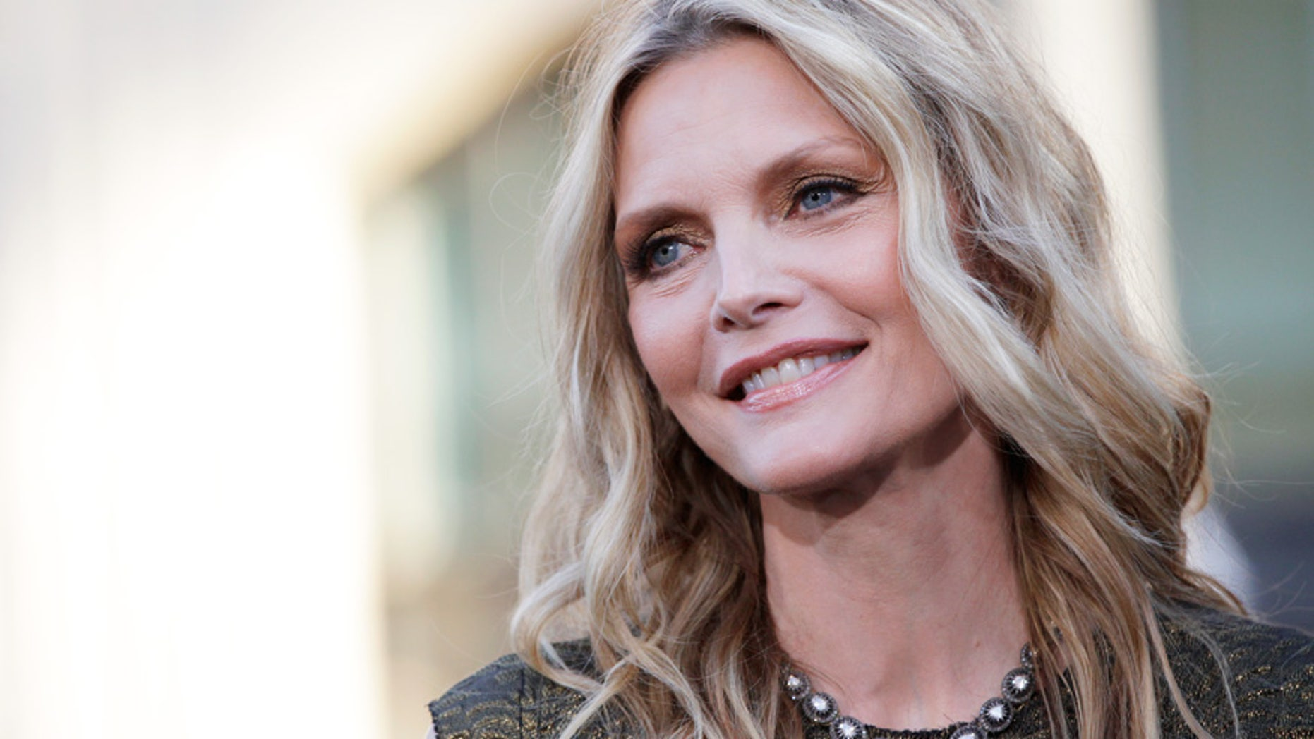 michelle pfeiffer explains why she took a break from hollywood fox