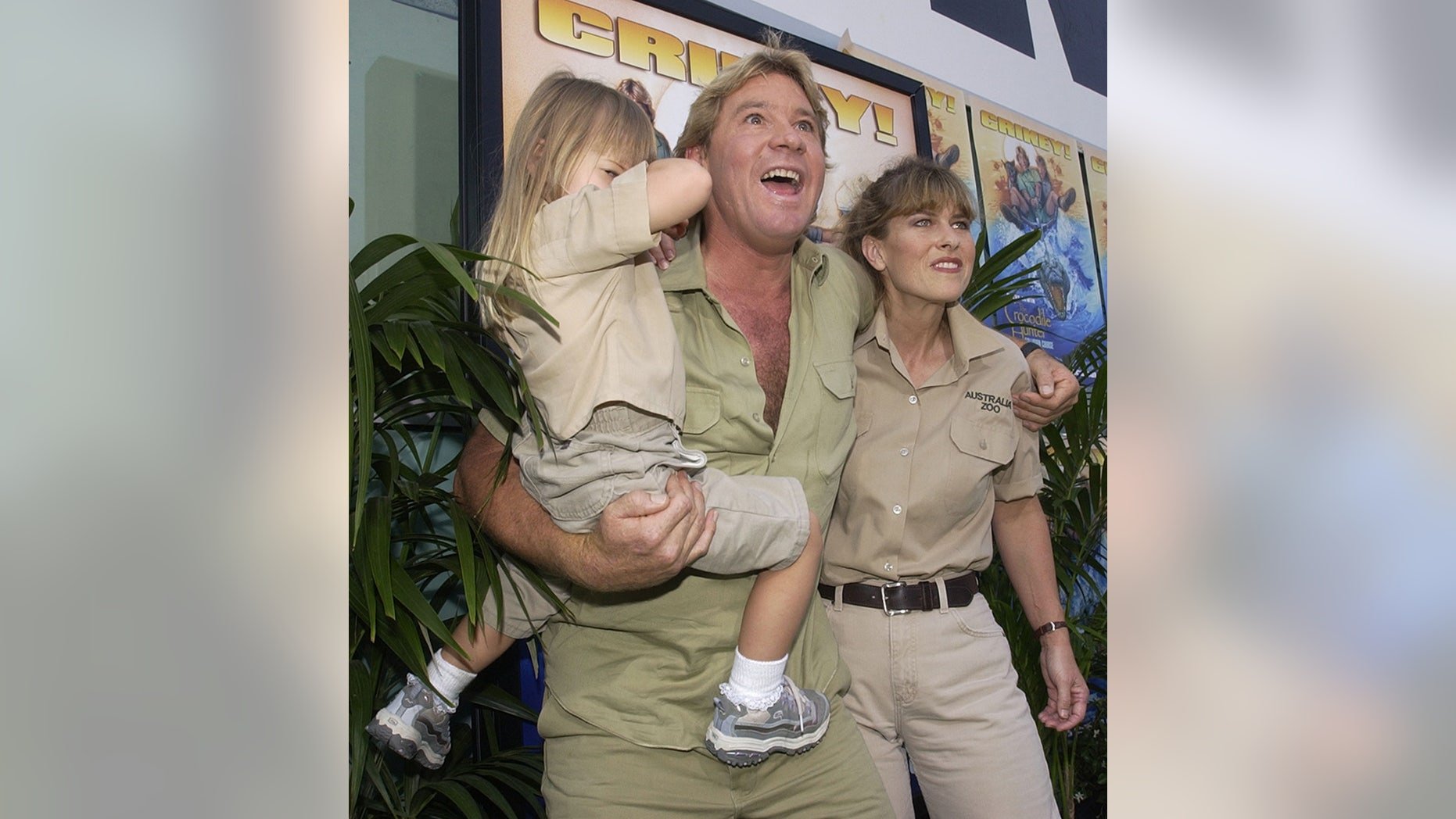 """Australian adventurer Steve Irwin and his wife Terri pose with theirdaughter Bindi at the premiere of the adventure comedy motion picture""""The Crocodile Hunter - Collision Course"""" at the Cinerama Dome in theHollywood section of Los Angeles June 29, 2002. The naturalist coupleappear in the film which opens across the United States on July 12.REUTERS/Jim RuymenJR - RP3DRIBMLDAA"""