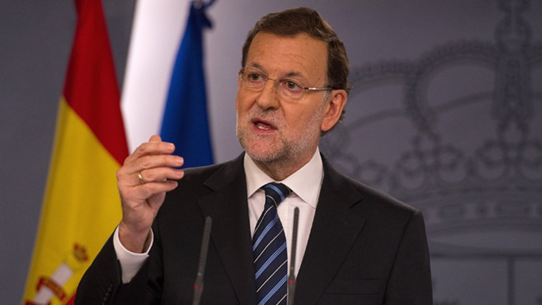 MADRID, SPAIN - NOVEMBER 12:  Spanish Prime Minister Mariano Rajoy speaks about the recent unofficial Catalonian independence poll during a press conference at the Moncloa palace on November 12, 2014 in Madrid, Spain.  An estimated 2 million Catalans voted on November 9th to separate from Spain in the unofficial poll after the Spanish state blocked in courts a more legally binding referendum.  (Photo by Denis Doyle/Getty Images)