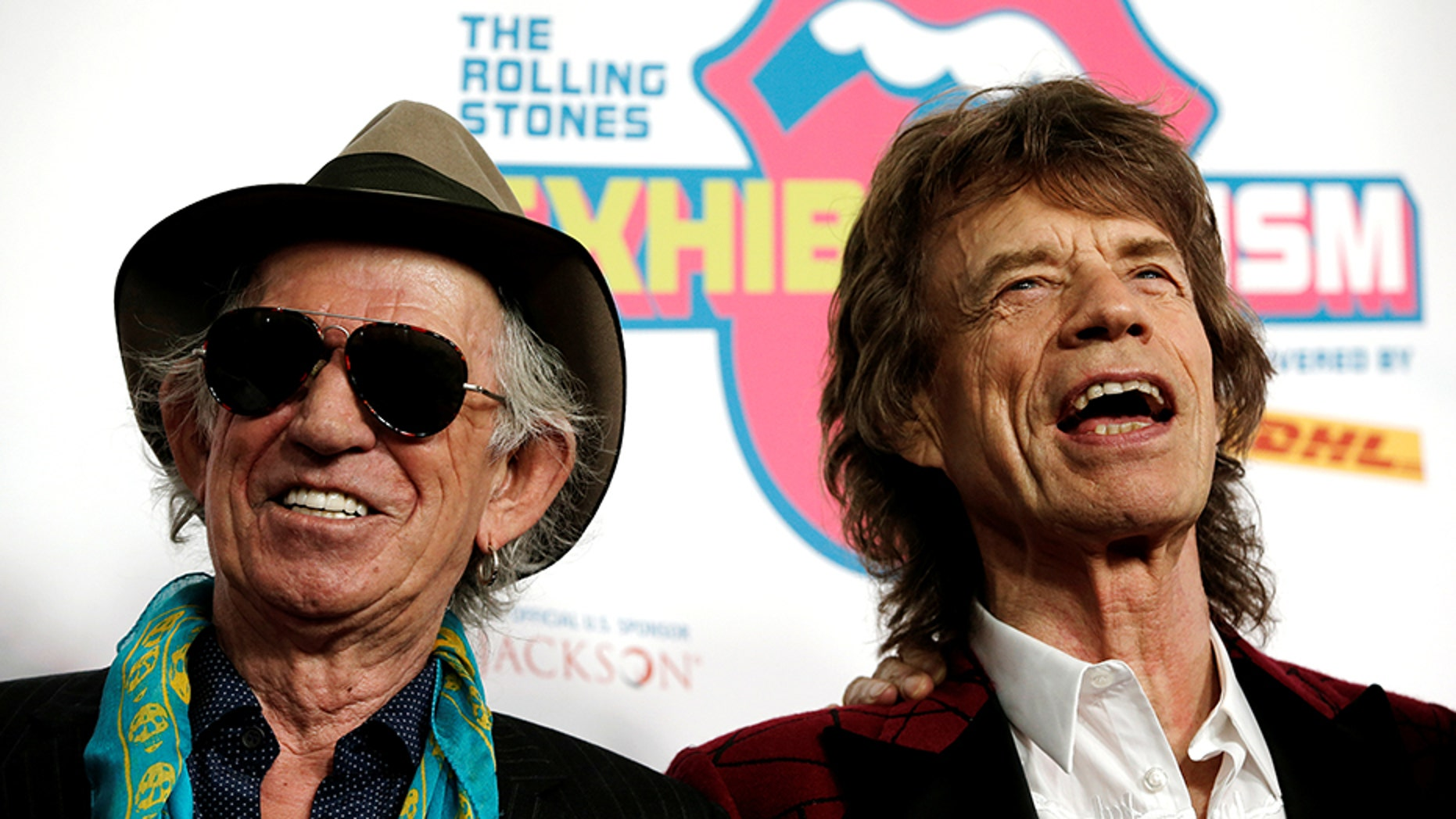 Keith Richards (left) apologized Wednesday for comments he made about bandmate Mick Jagger (right) in an article from The Wall Street Journal.