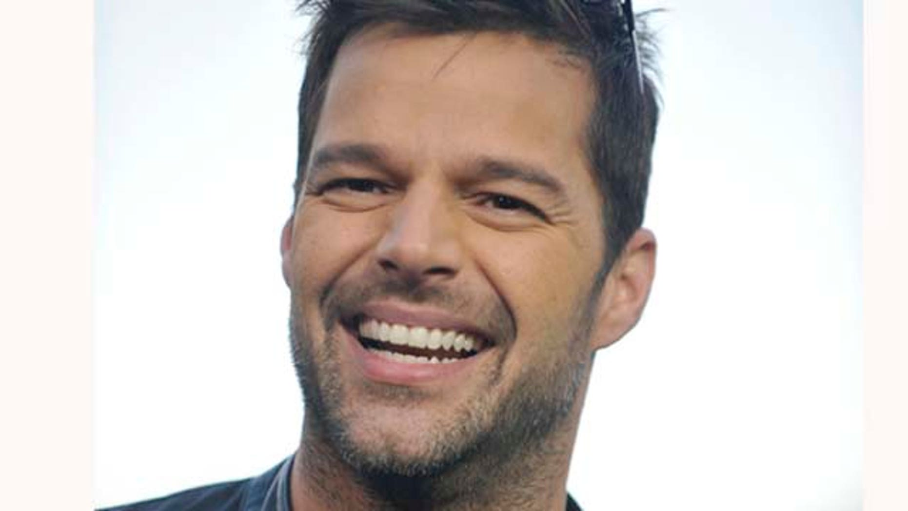 Nov. 9, 2011: Ricky Martin visits the set of televison entertainment show 'Extra' filming at The Grove in Los Angeles, Calif.