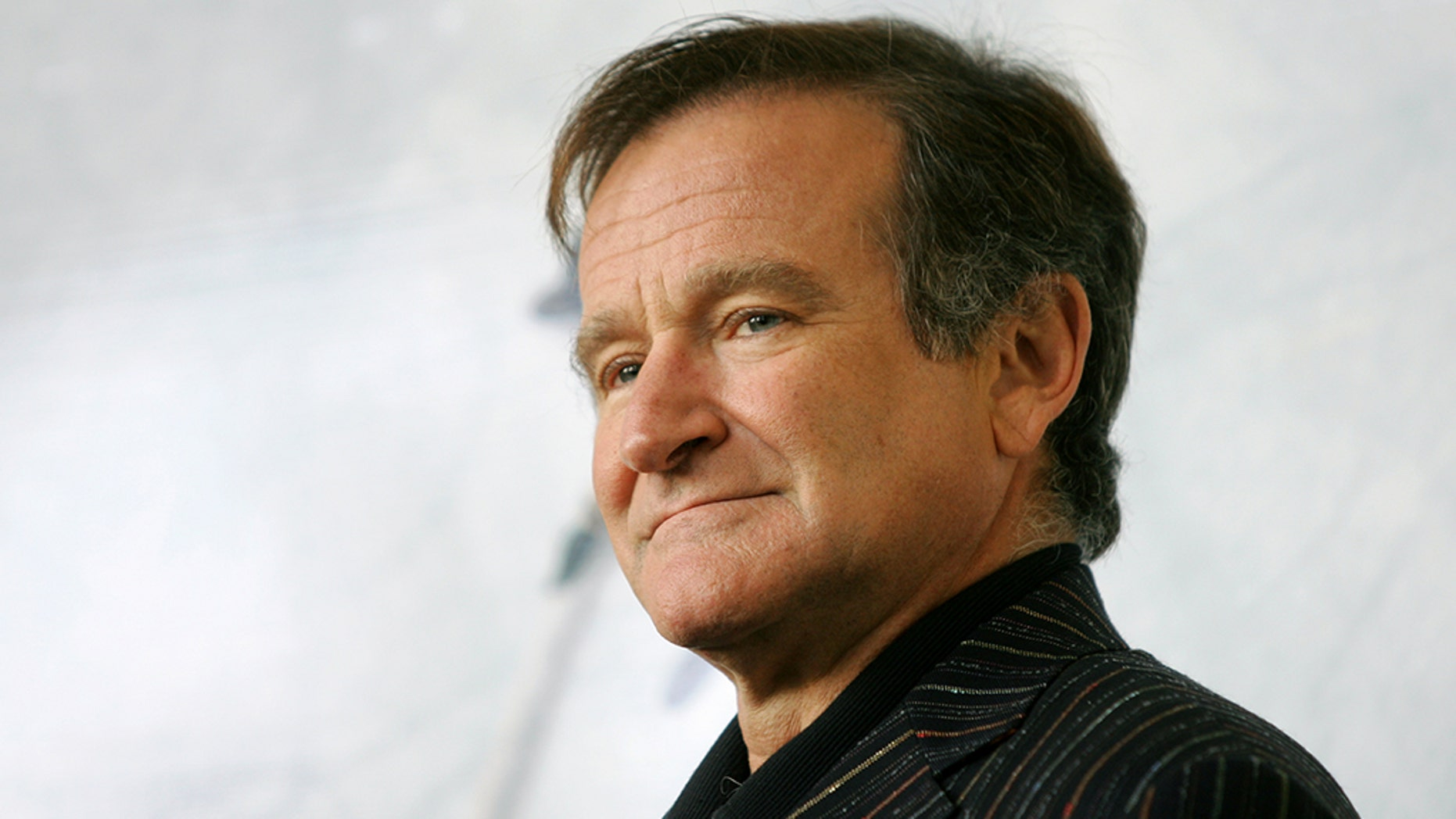 Fans of beloved departed actor Robin Williams will have the chance to own some of his personal effects, which Sotheby's said are to be included in an auction this fall.