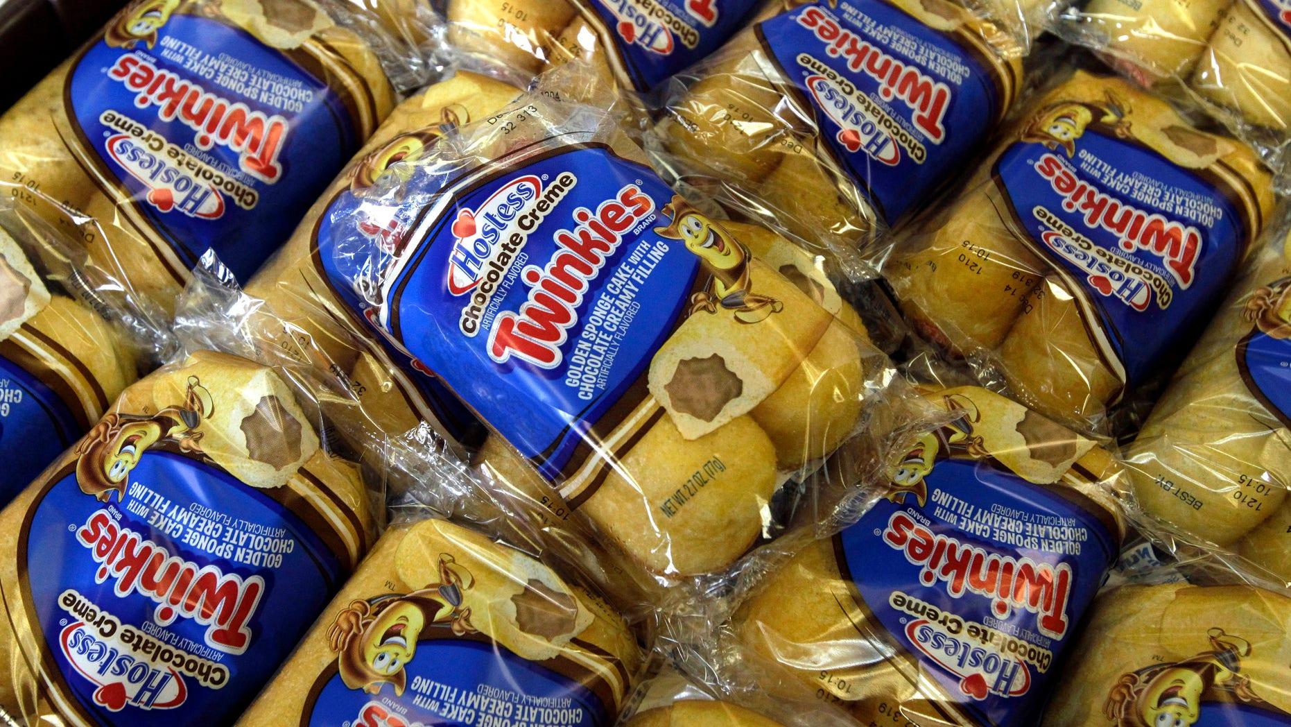 Foto de pastelitos Twinkies a la venta en una panadería de Hostess Brands en Denver, Colorado.(Foto AP/Brennan Linsley)