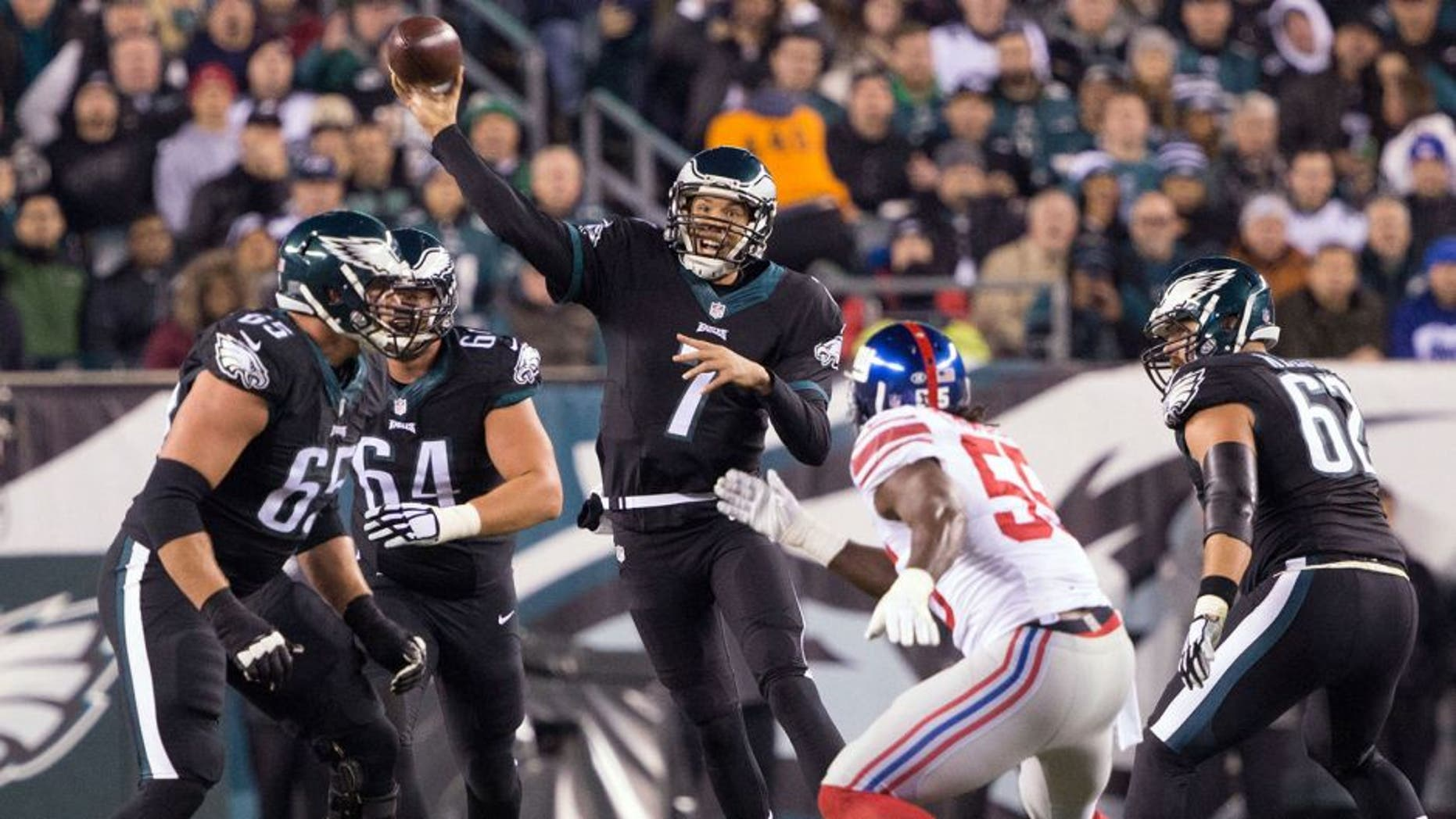 Oct 19, 2015; Philadelphia, PA, USA; Philadelphia Eagles quarterback Sam Bradford (7) passes against the New York Giants during the second quarter at Lincoln Financial Field. Mandatory Credit: Bill Streicher-USA TODAY Sports