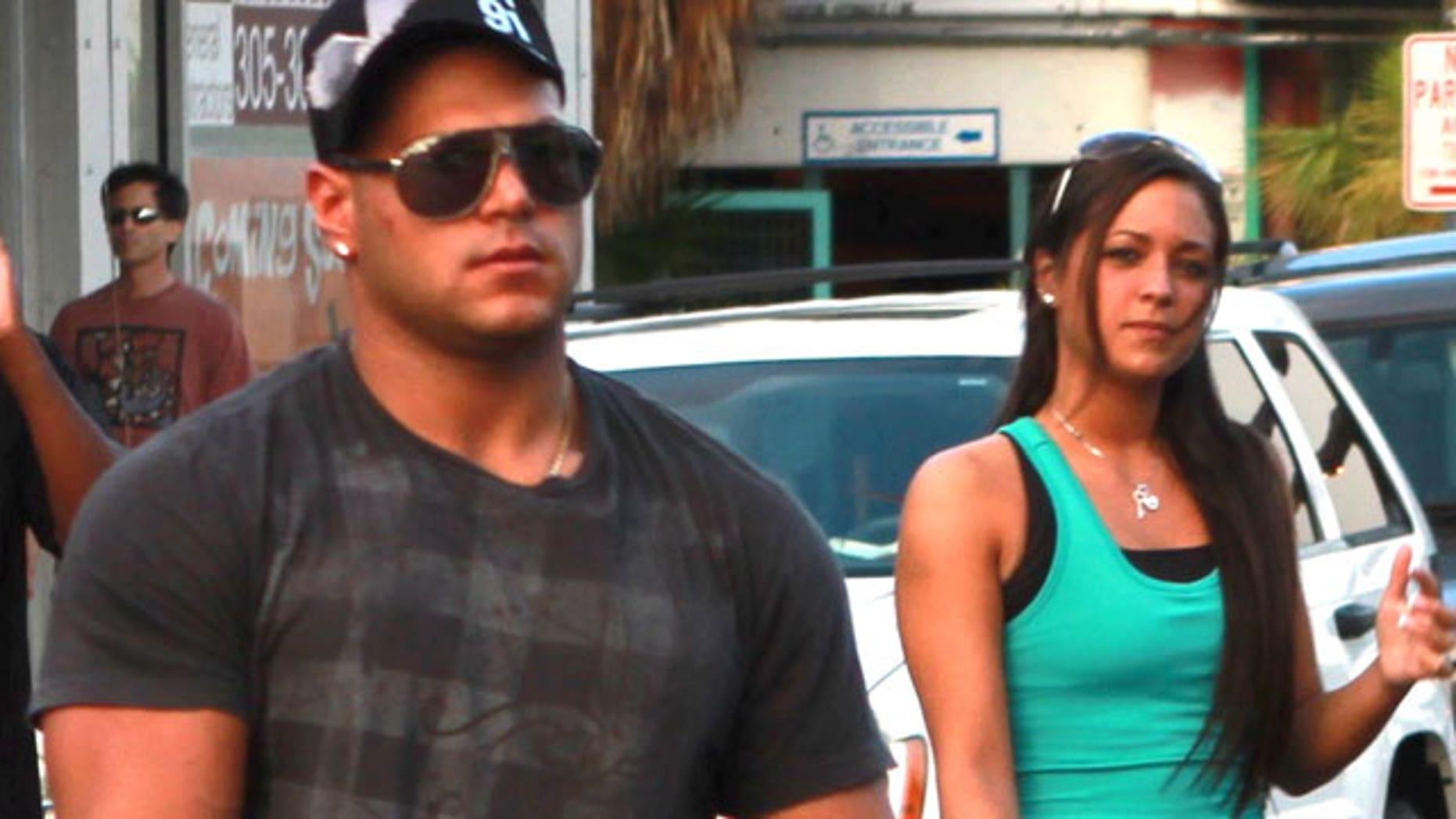 'Jersey Shore' stars Ronnie and Sammi in Miami.