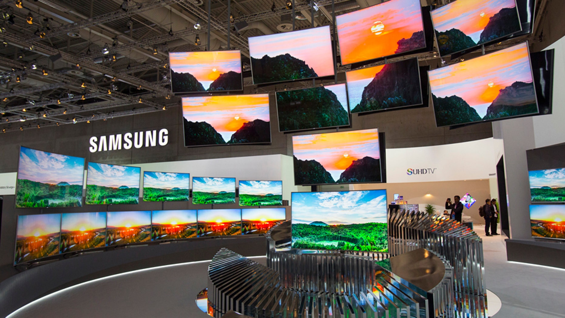 Samsung UHDTV curved flatscreens are pictured at the consumer electronics trade fair IFA in Berlin, Germany, September 3, 2015. REUTERS/Hannibal Hanschke - RTX1QWE9