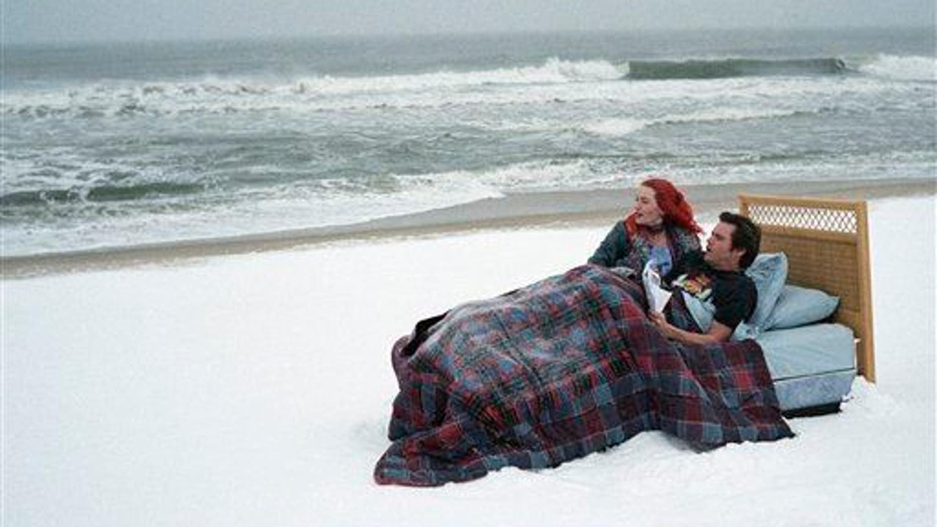"""Kate Winslet, left, and Jim Carrey in a scene from the film """"Eternal Sunshine of the Spotless Mind."""""""