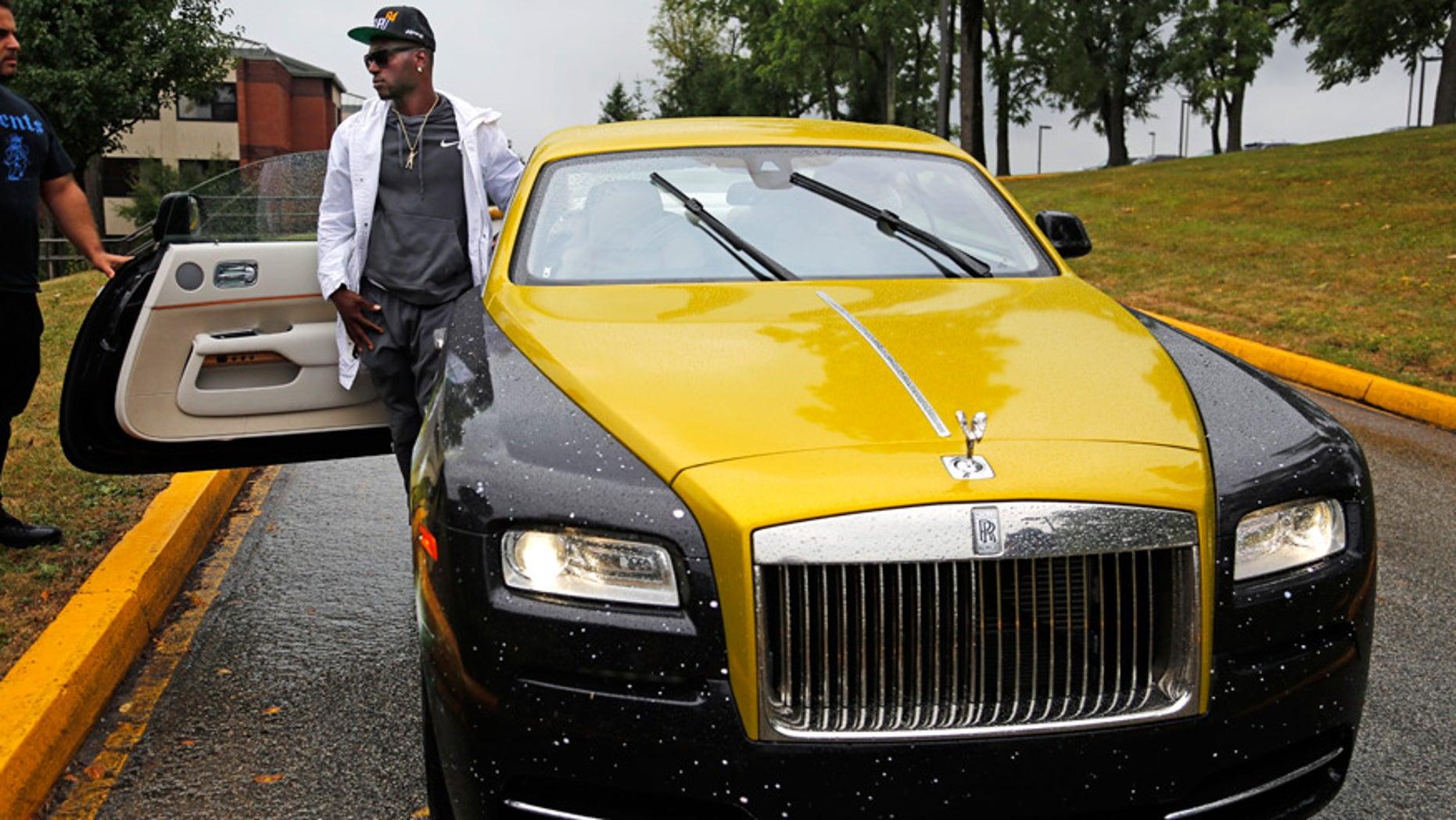super popular 5ff7e a3566 Antonio Brown unveils $300,000 Steelers-themed Rolls Royce ...