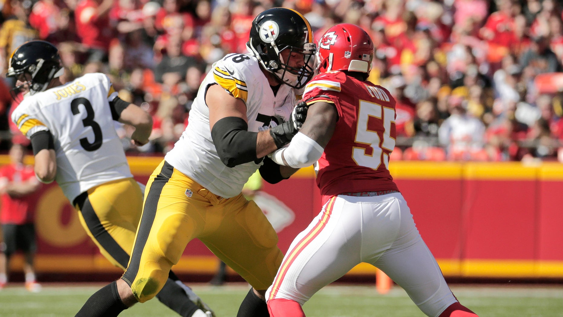 Pittsburgh Steelers offensive tackle Alejandro Villanueva (78) blocks Kansas City Chiefs linebacker Dee Ford (55) during the first half of an NFL football game in Kansas City, Mo., Sunday, Oct. 25, 2015. (AP Photo/Charlie Riedel)