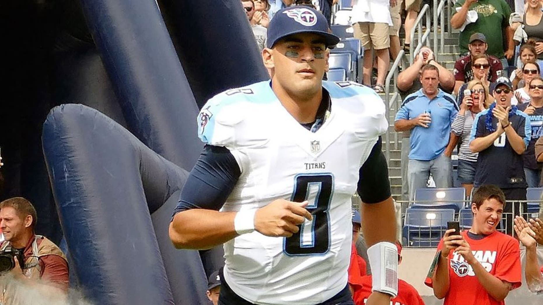 NASHVILLE, TN - SEPTEMBER 27: Marcus Mariota #8 of the Tennessee Titans runs onto the field prior to a game against the Indianapolis Colts at Nissan Stadium on September 27, 2015 in Nashville, Tennessee. (Photo by Frederick Breedon/Getty Images)