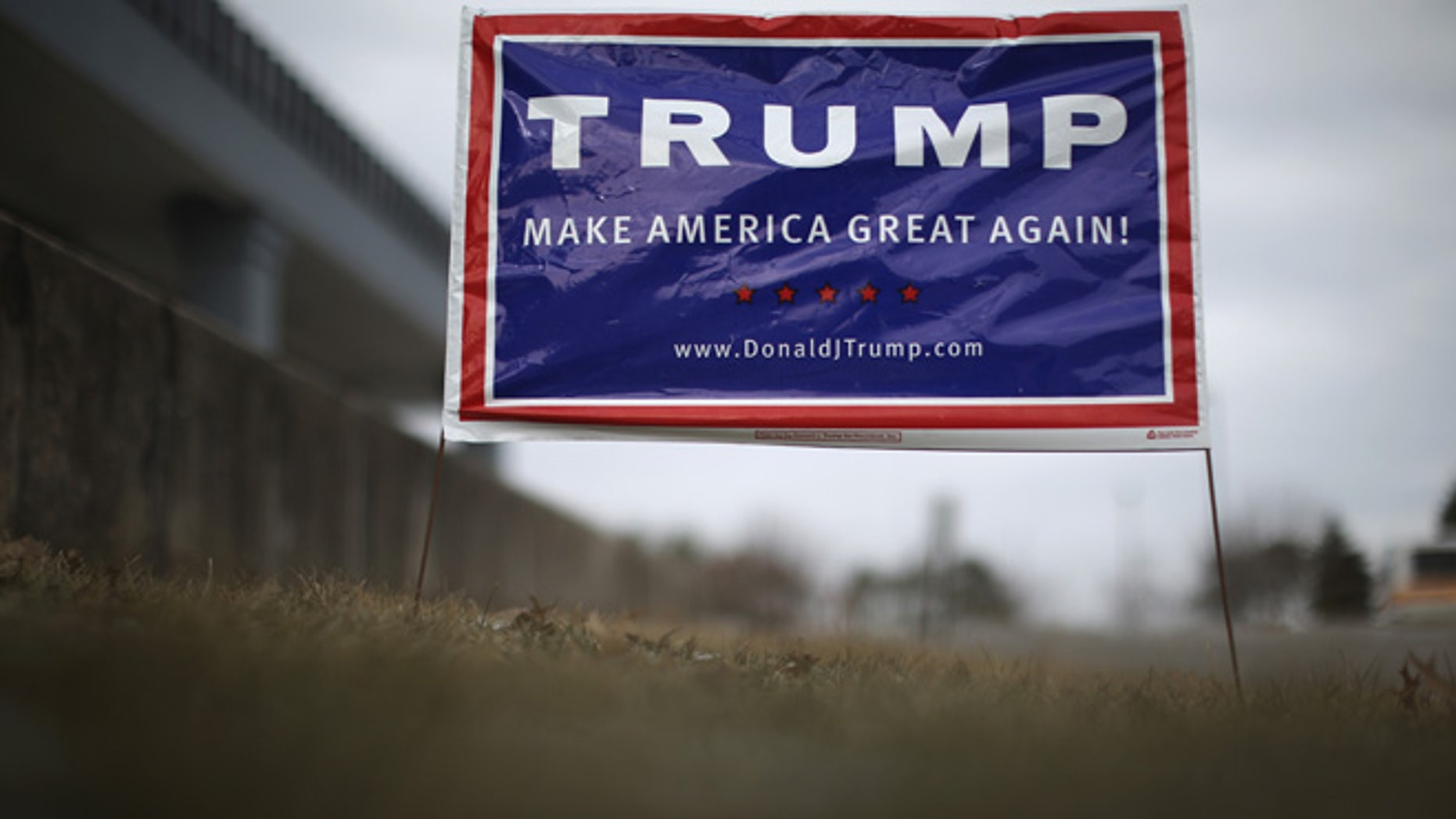 DES MOINES, IA - JANUARY 27:  A sign sits outside the Des Moines headquarters of Republican presidential candidate Donald Trump in West Des Moines on January 27, 2016 in Des Moines, Iowa. Politicians are crisscrossing the state looking for votes before the Iowa caucus takes place next week.  (Photo by Christopher Furlong/Getty Images)
