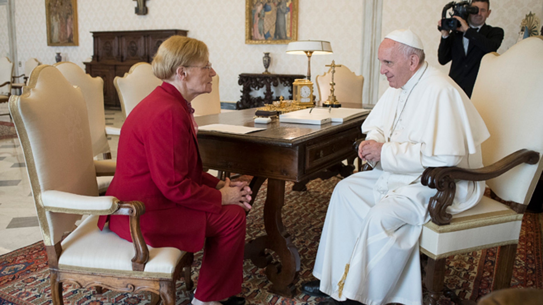 Pope Francis talks with Lidia Guerrero,  the Argentine mother of a man on death row in Texas for two decades. After their first meeting, in Rome in 2014, she said that the pope, who is also Argentine, assured her of his prayers for Victor Hugo Saldano. (L'Osservatore Romano Pool Photo Via AP)