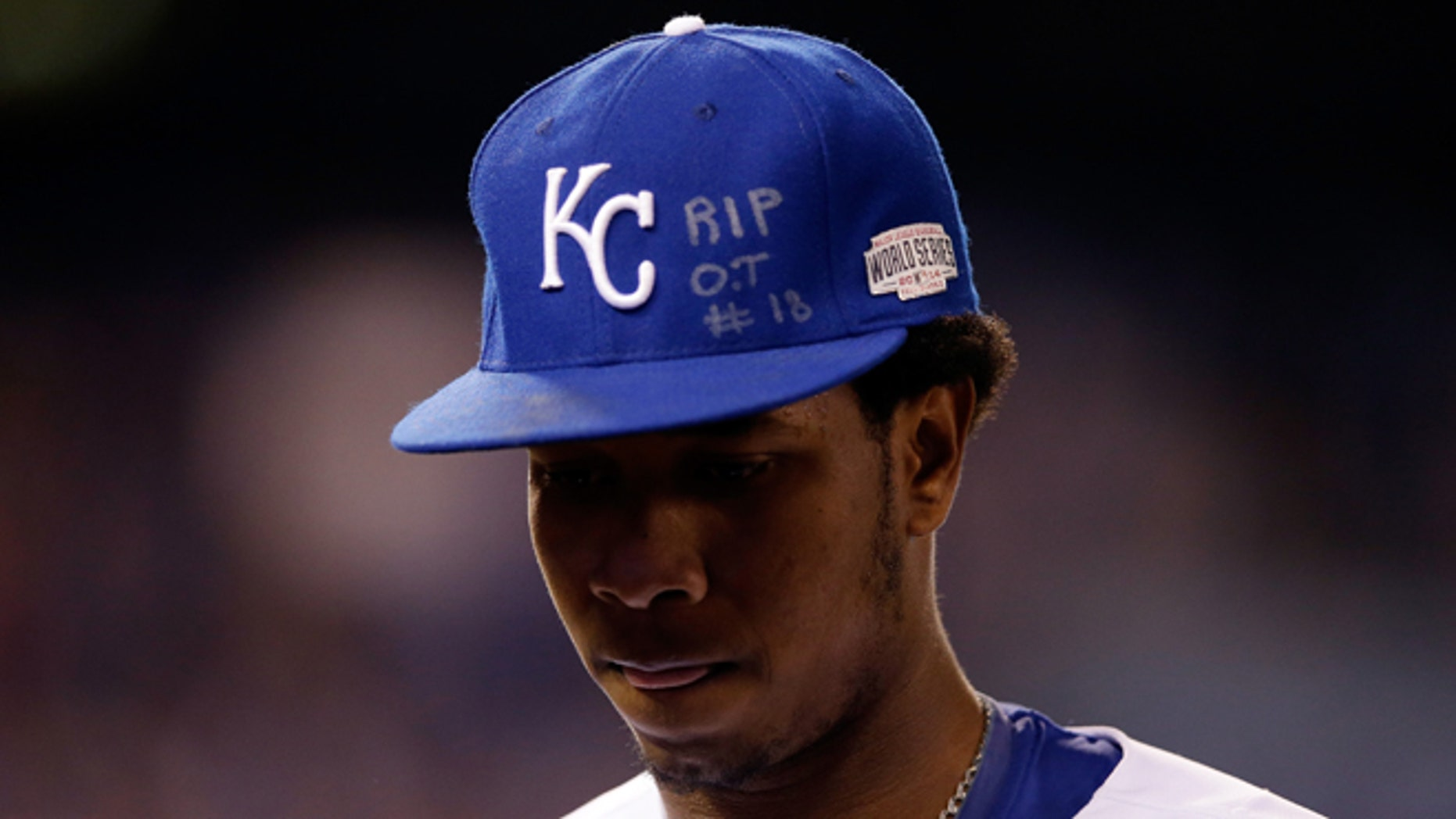 KANSAS CITY, MO - OCTOBER 28:  An inscription honoring the late Oscar Taveras is seen on the hat of Yordano Ventura #30 of the Kansas City Royals during Game Six of the 2014 World Series at Kauffman Stadium on October 28, 2014 in Kansas City, Missouri.  (Photo by Ezra Shaw/Getty Images)
