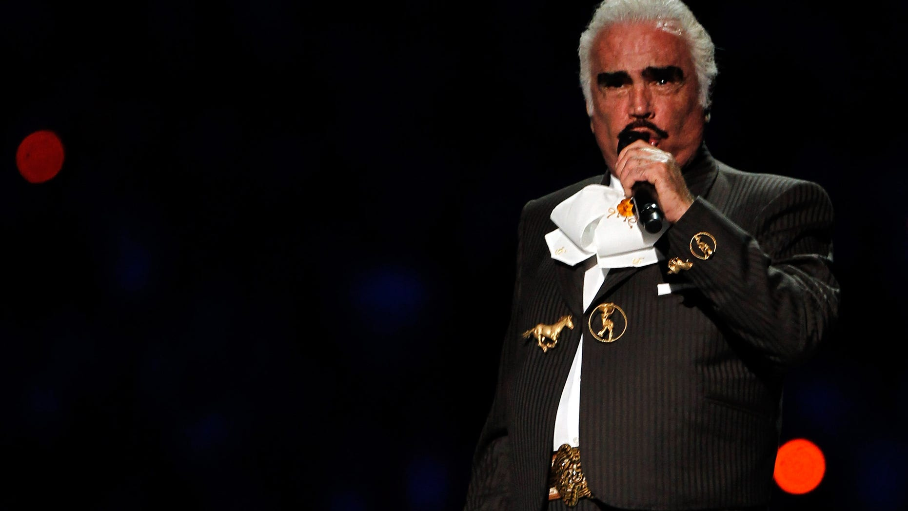 GUADALAJARA, MEXICO - OCTOBER 14:  Singer Vicente Fernandez performs to start the Opening Ceremony for the XVI Pan American Games at Omnilife Stadium on October 14, 2011 in Guadalajara, Mexico.  (Photo by Mike Ehrmann/Getty Images)