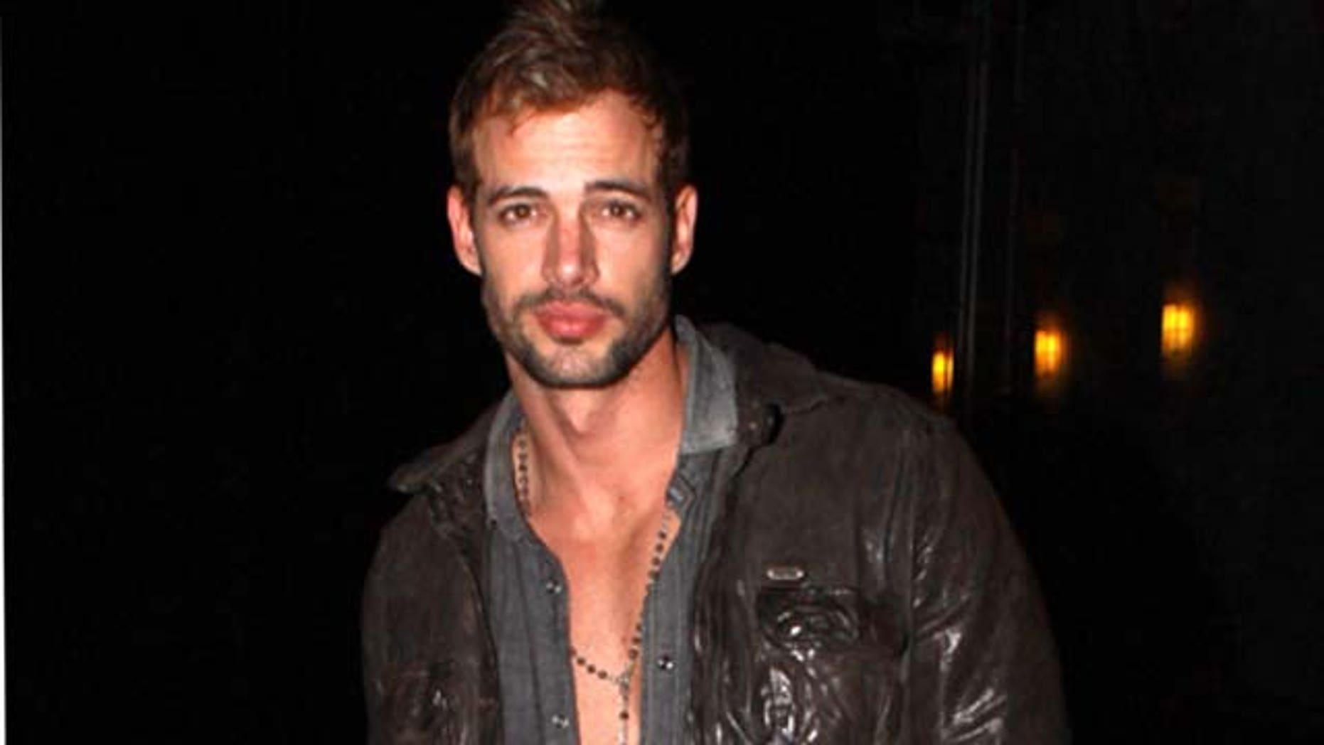 July 22, 2010: William Levy goes shopping in Beverly Hills, Calif.