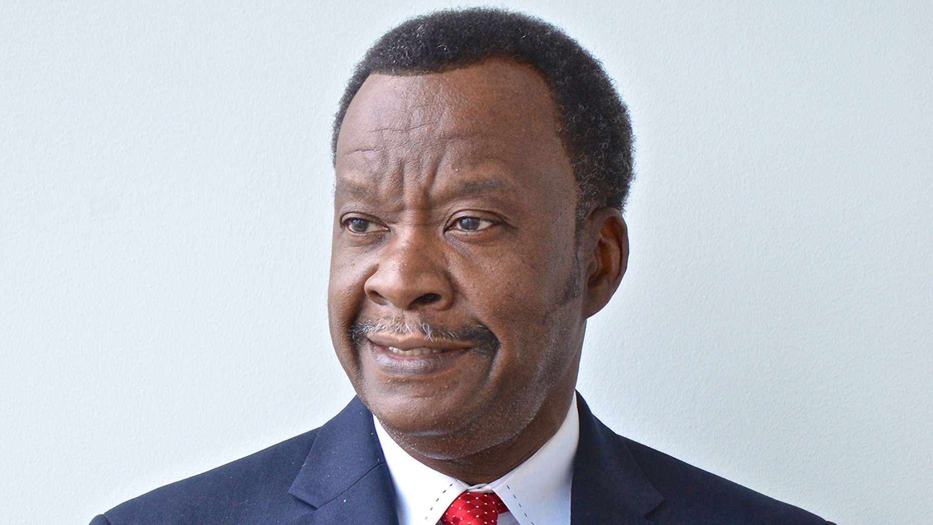 Willie Wilson, a philanthropist and mayoral candidate in Chicago, handed out $300,000 to churchgoers Sunday to help pay property taxes and other expenses.