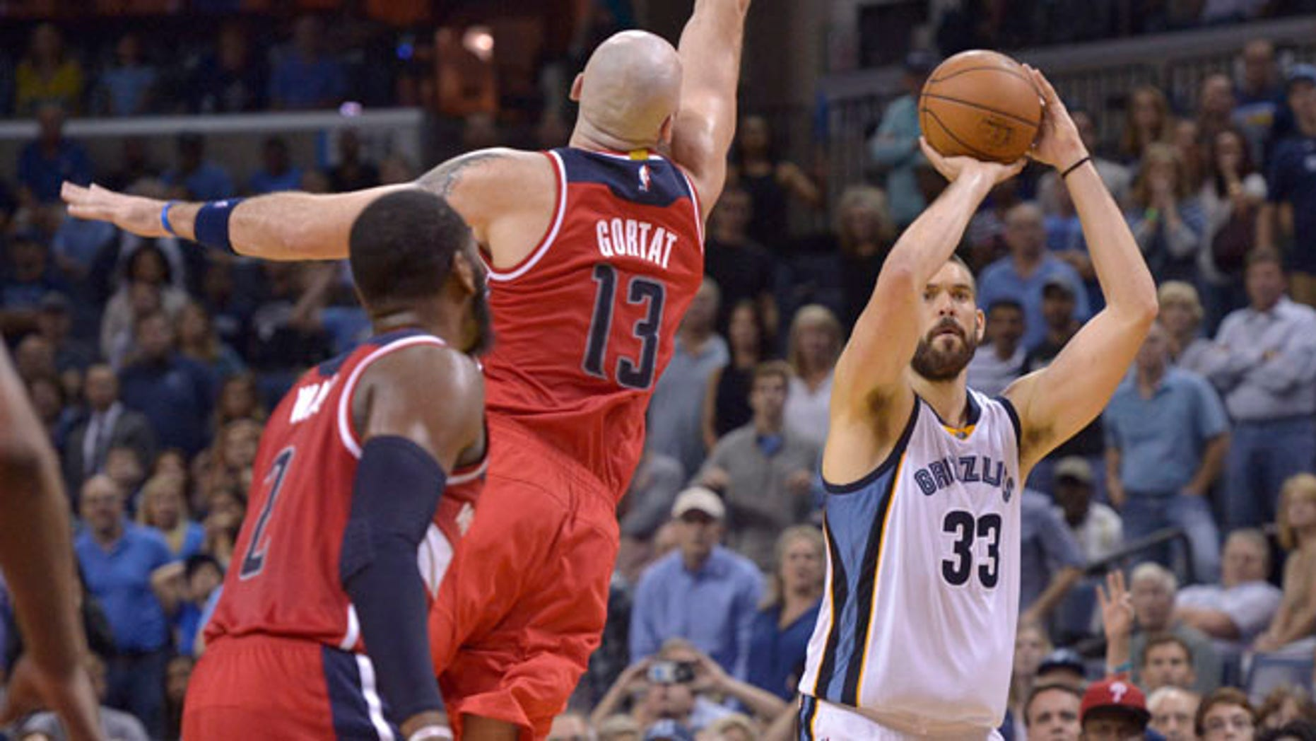 Gasol shoots a three-pointer against Washington Wizards Oct. 30, 2016, in Memphis, Tenn.