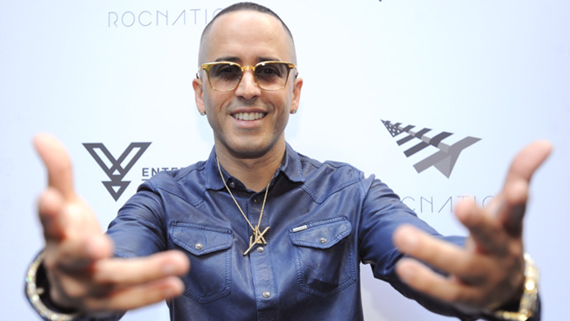 NEW YORK, NY - JUNE 12:  Yandel celebrates the Puerto Rican Day Parade at China Grill on June 12, 2016 in New York City.  (Photo by Brad Barket/Getty Images for Roc Nation)