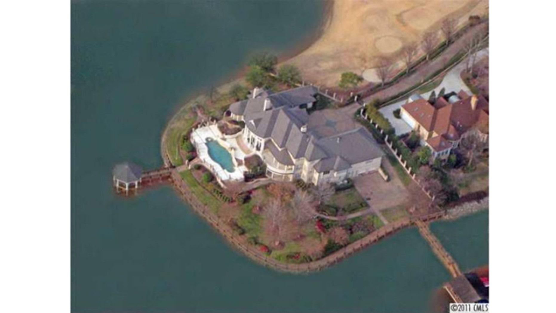 Aerial view of Michael Jordan's home.