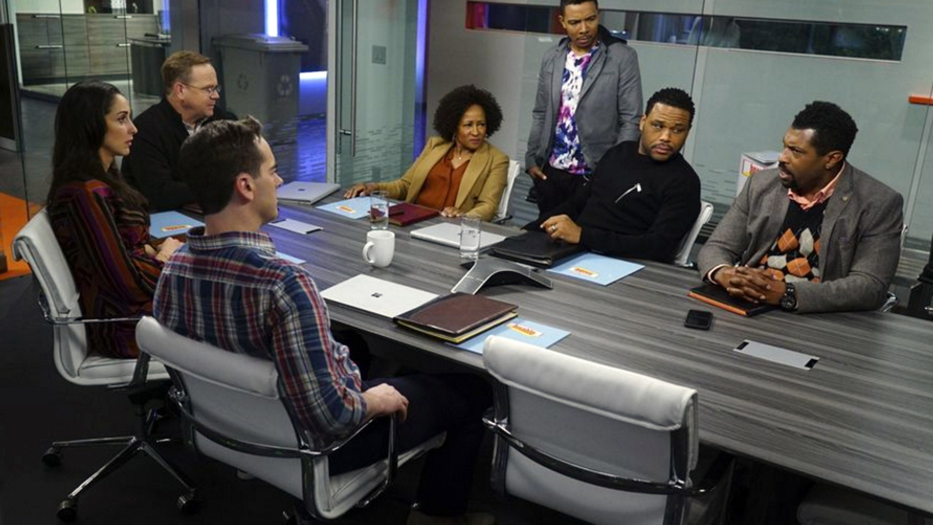 A scene from ABC's 'black-ish' 'Lemons' episode.