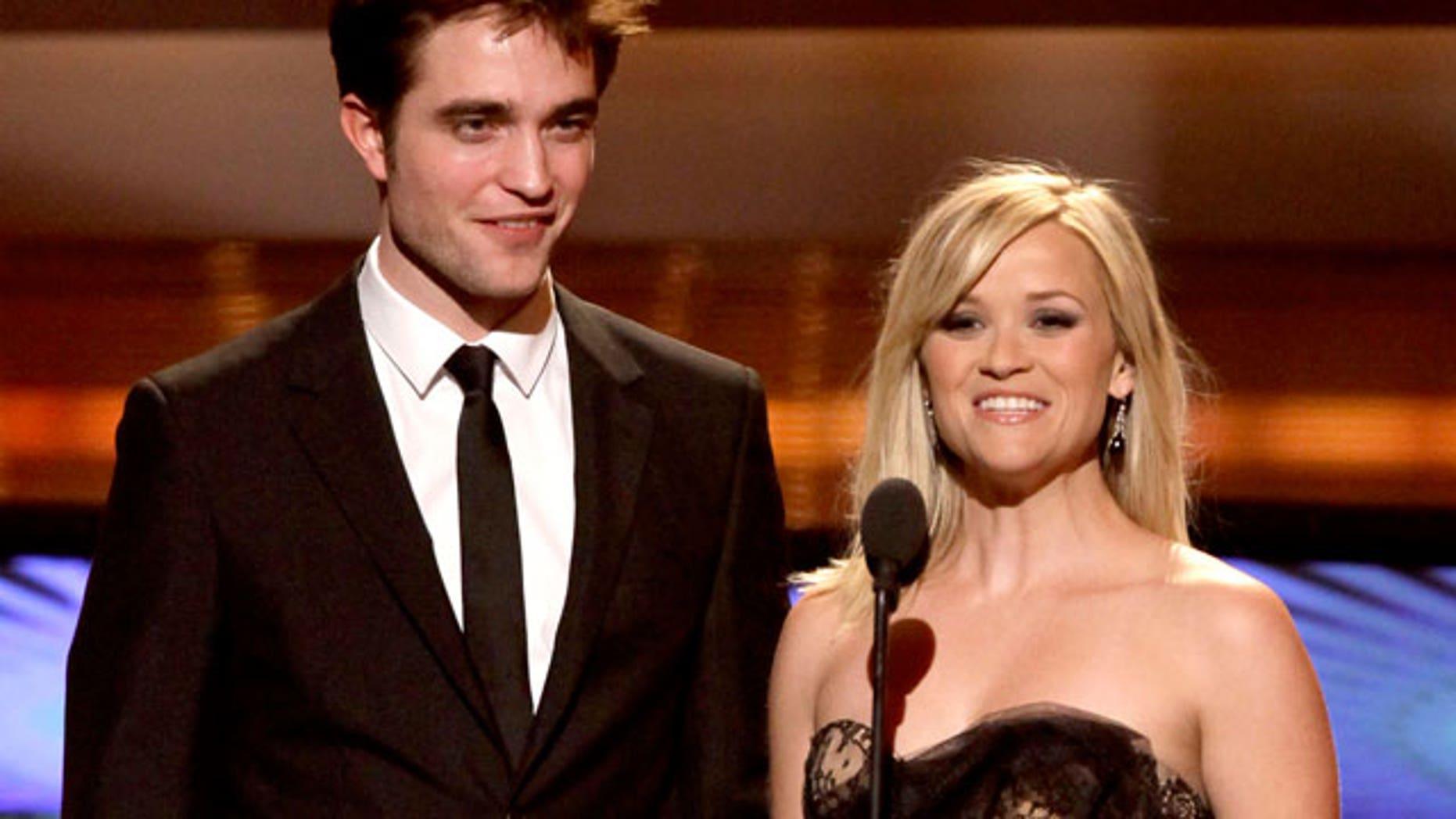 MTV Movie Awards 2011: Robert Pattinson and Reese