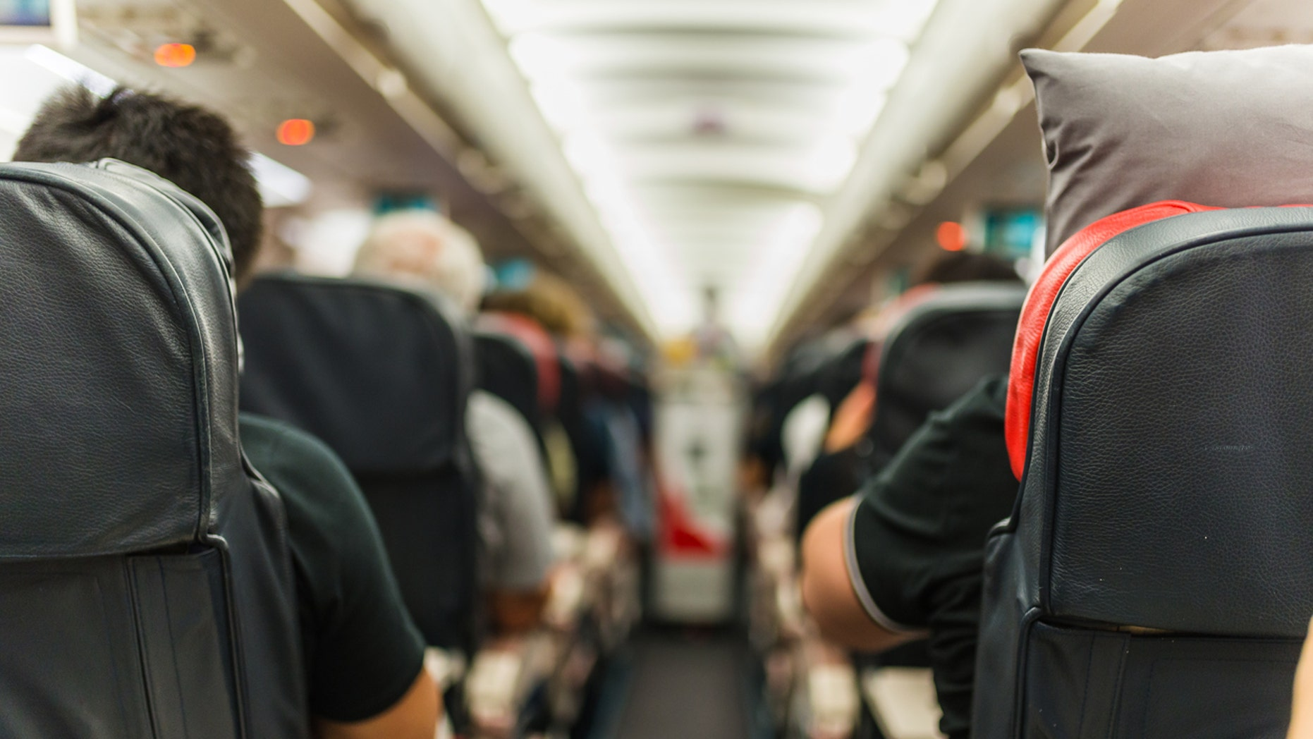 Relieve clogged ears on a plane with these 3 expert-approved strategies |  Fox News