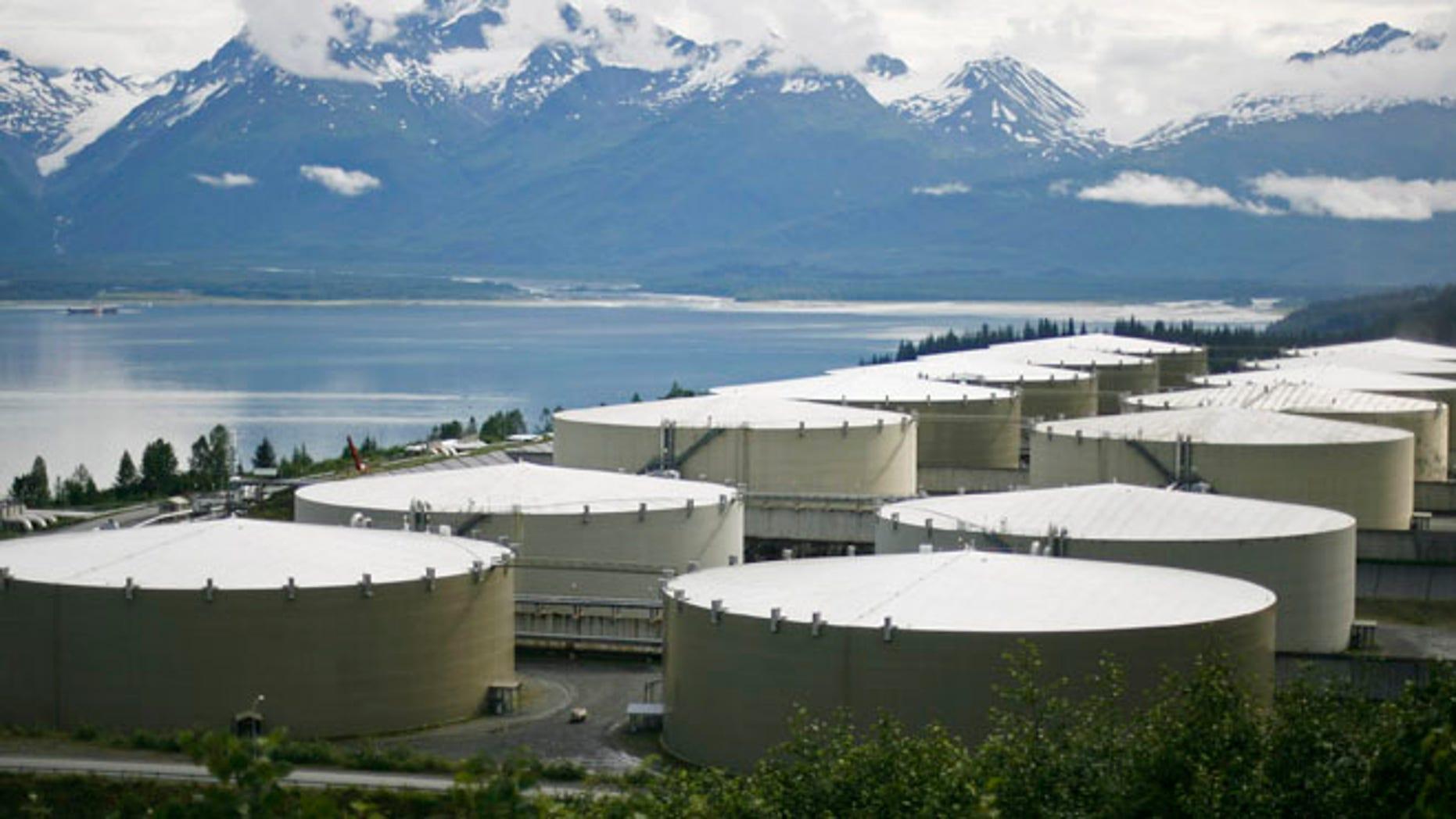 FILE: UNDATED: A field of oil storge tanks at the Trans-Alaska Pipeline Marine Terminal in Valdez, Alaska. (REUTERS)