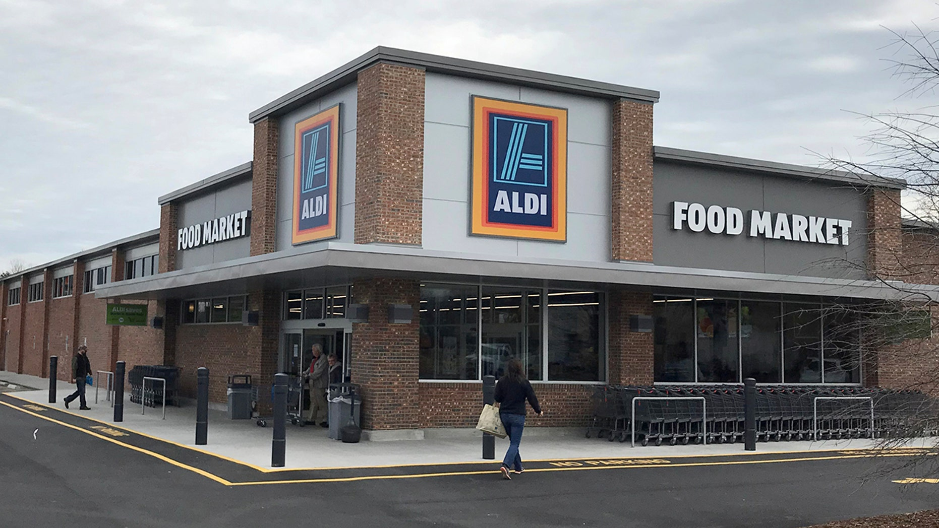 The American branch of Aldi markets scored 7 points of a possible 60 in a study by the  Center for Biological Diversity and the Ugly Fruit and Veg Campaign.