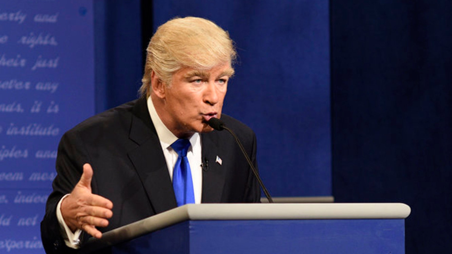 """""""SNL"""" mocked President-elect Donald Trump's first press conference"""
