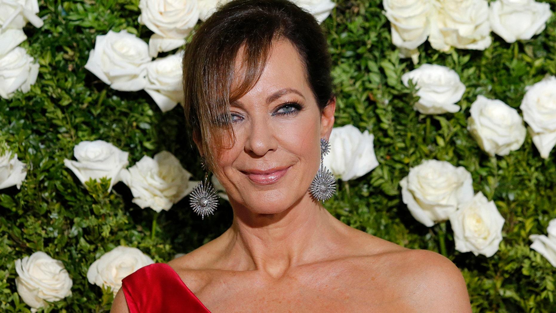 71st Tony Awards  – Arrivals – New York City, U.S., 11/06/2017 - Actress Allison Janney. REUTERS/Eduardo Munoz Alvarez - HP1ED6C007XCO