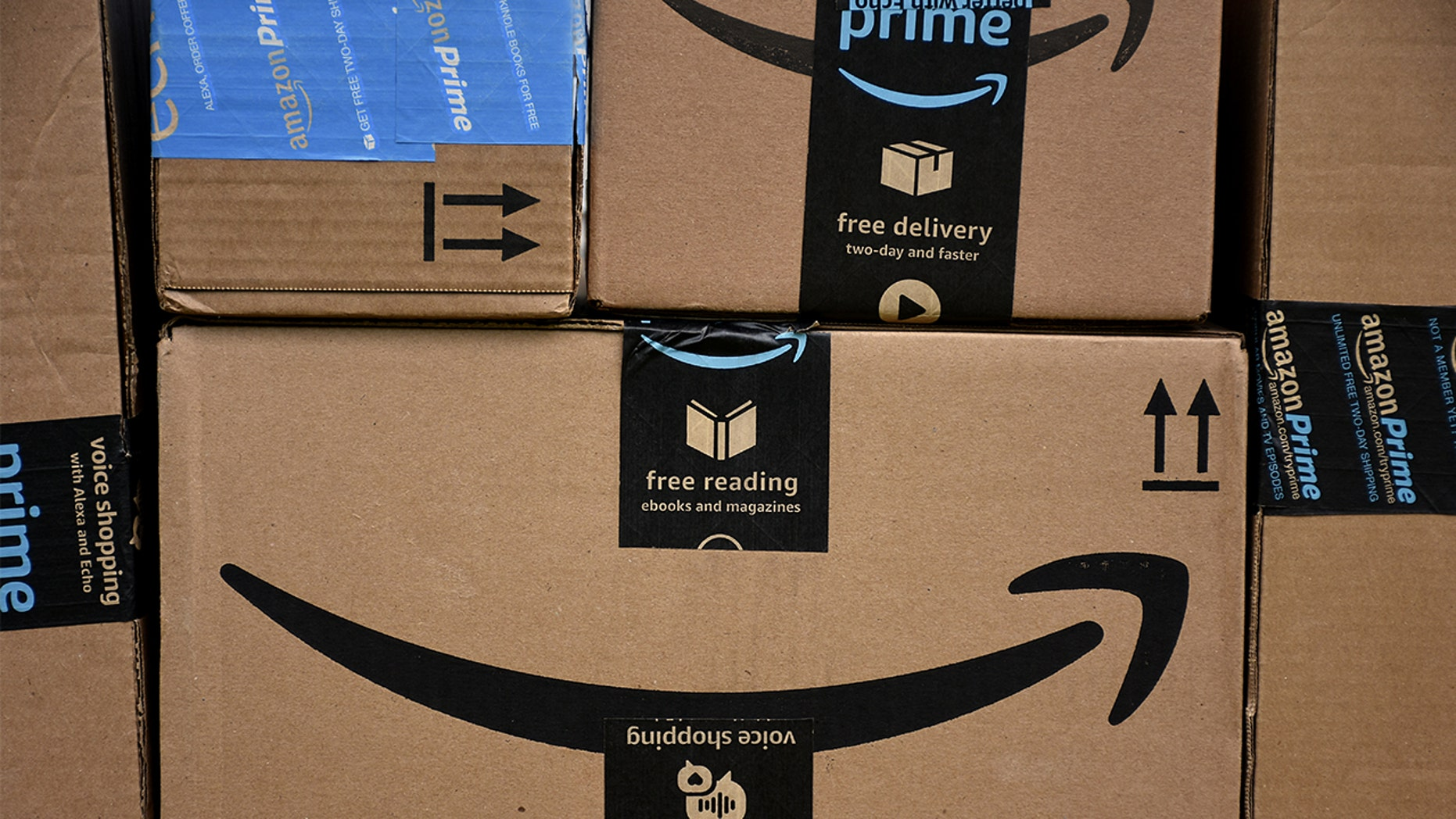 Amazon says error exposed customer names and emails