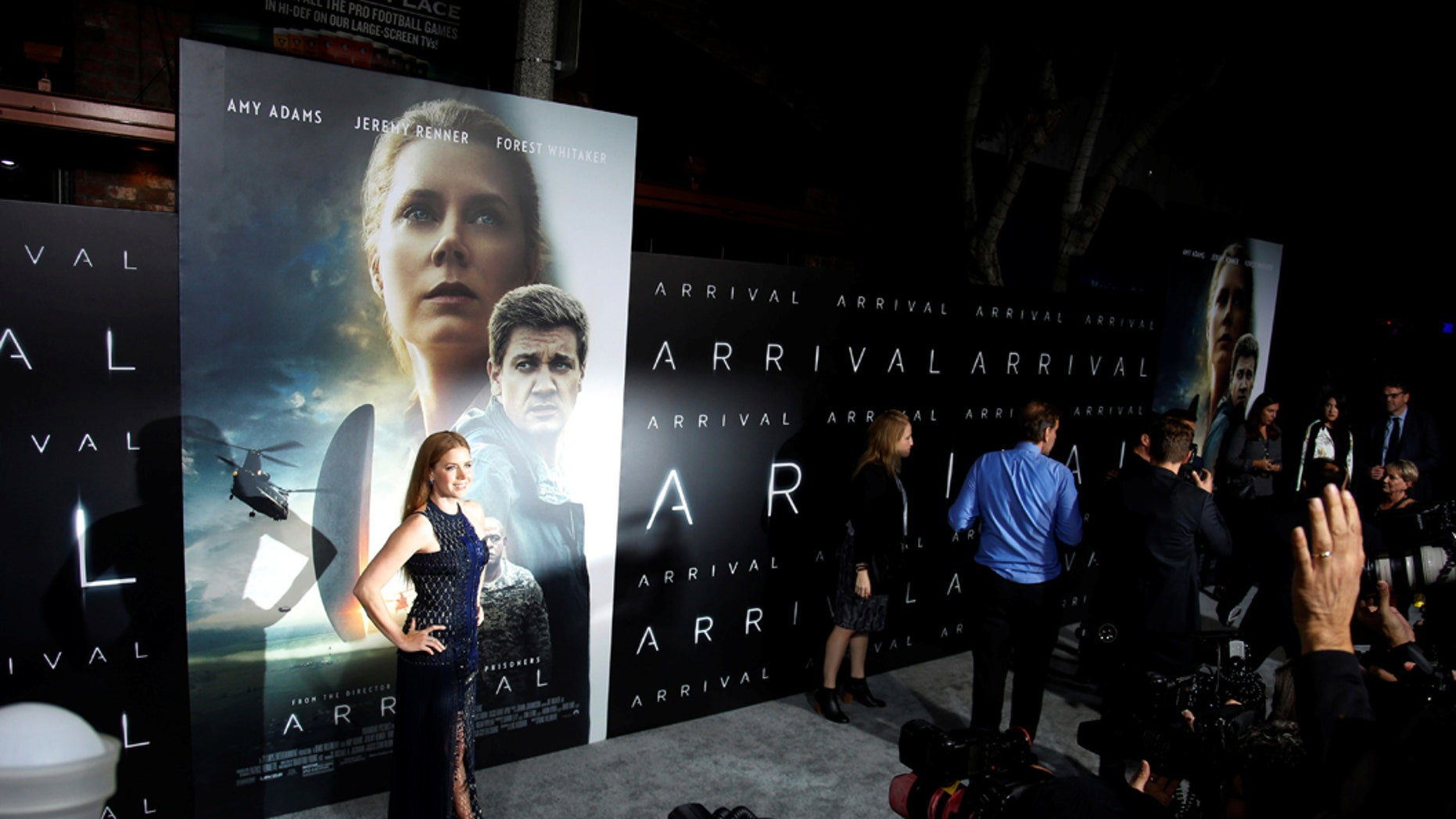"""File photo: Actor Amy Adams poses at a premiere of the film """"Arrival"""" in Los Angeles, California, November 6, 2016. (REUTERS/Danny Moloshok)"""