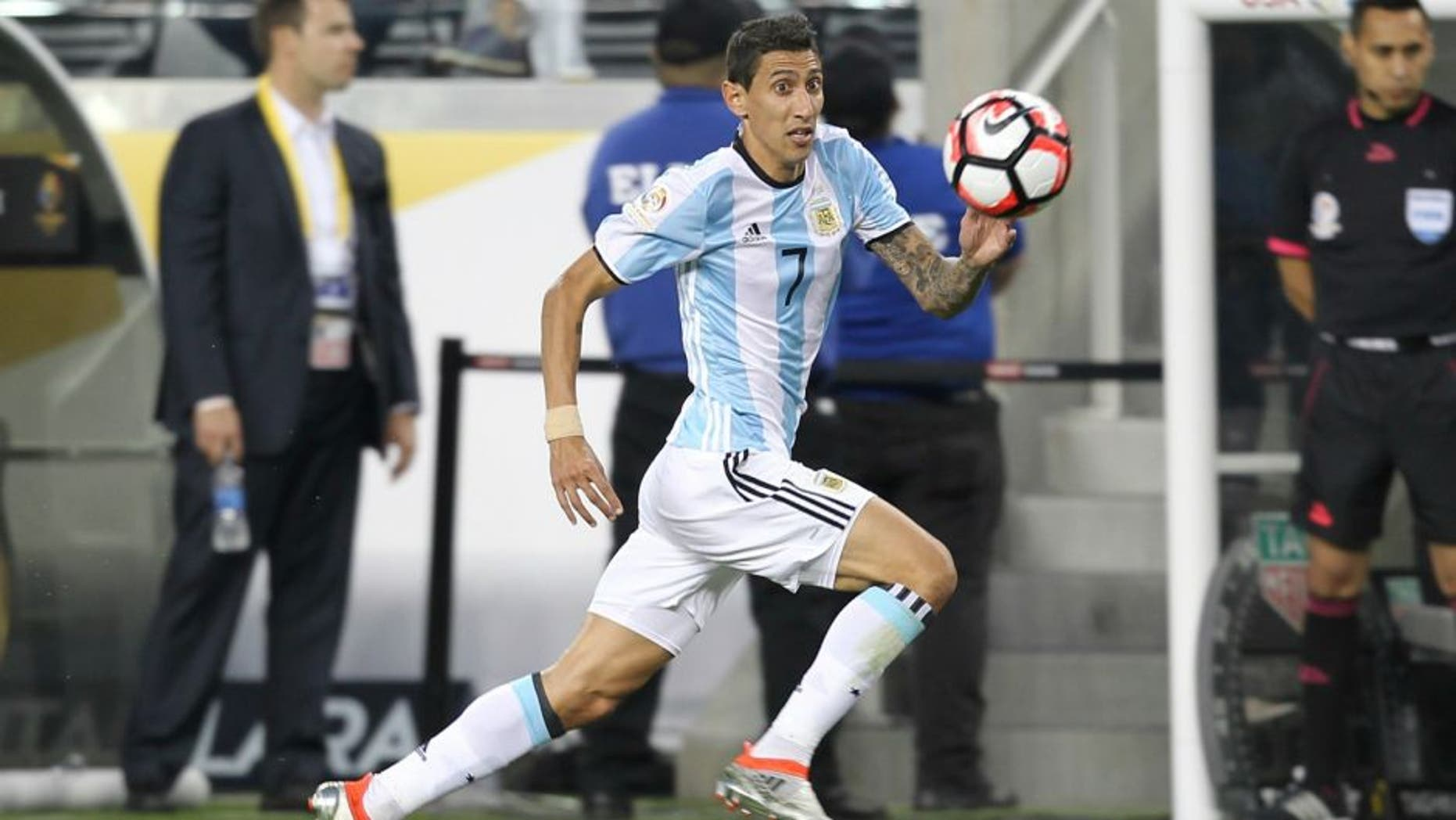 SANTA CLARA, CALIFORNIA - JUNE 06: Angel Di Maria of Argentina drives the ball during a group D match between Argentina and Chile at Levi's Stadium as part of Copa America Centenario US 2016 on June 06, 2016 in Santa Clara, California, US. (Photo by Omar Vega/LatinContent/Getty Images)