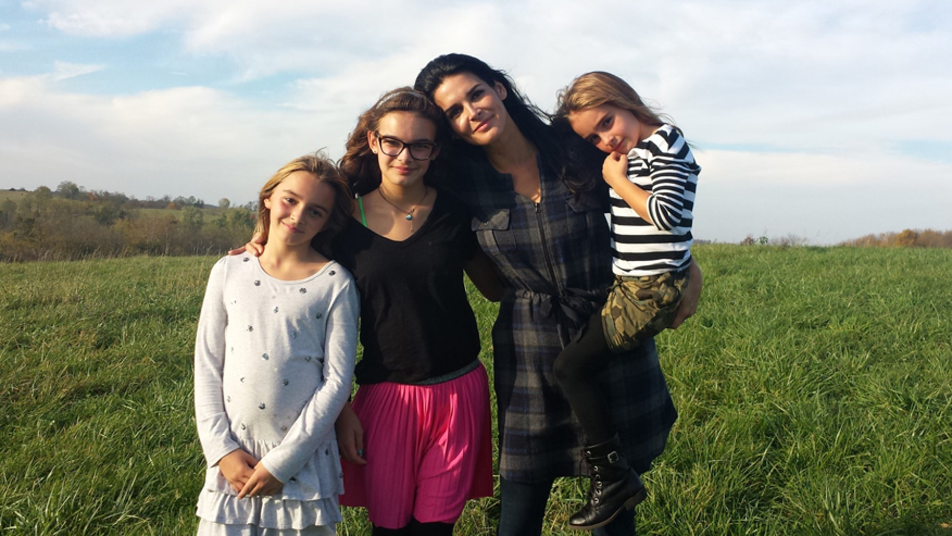 Actress Angie Harmon and her three daughters.