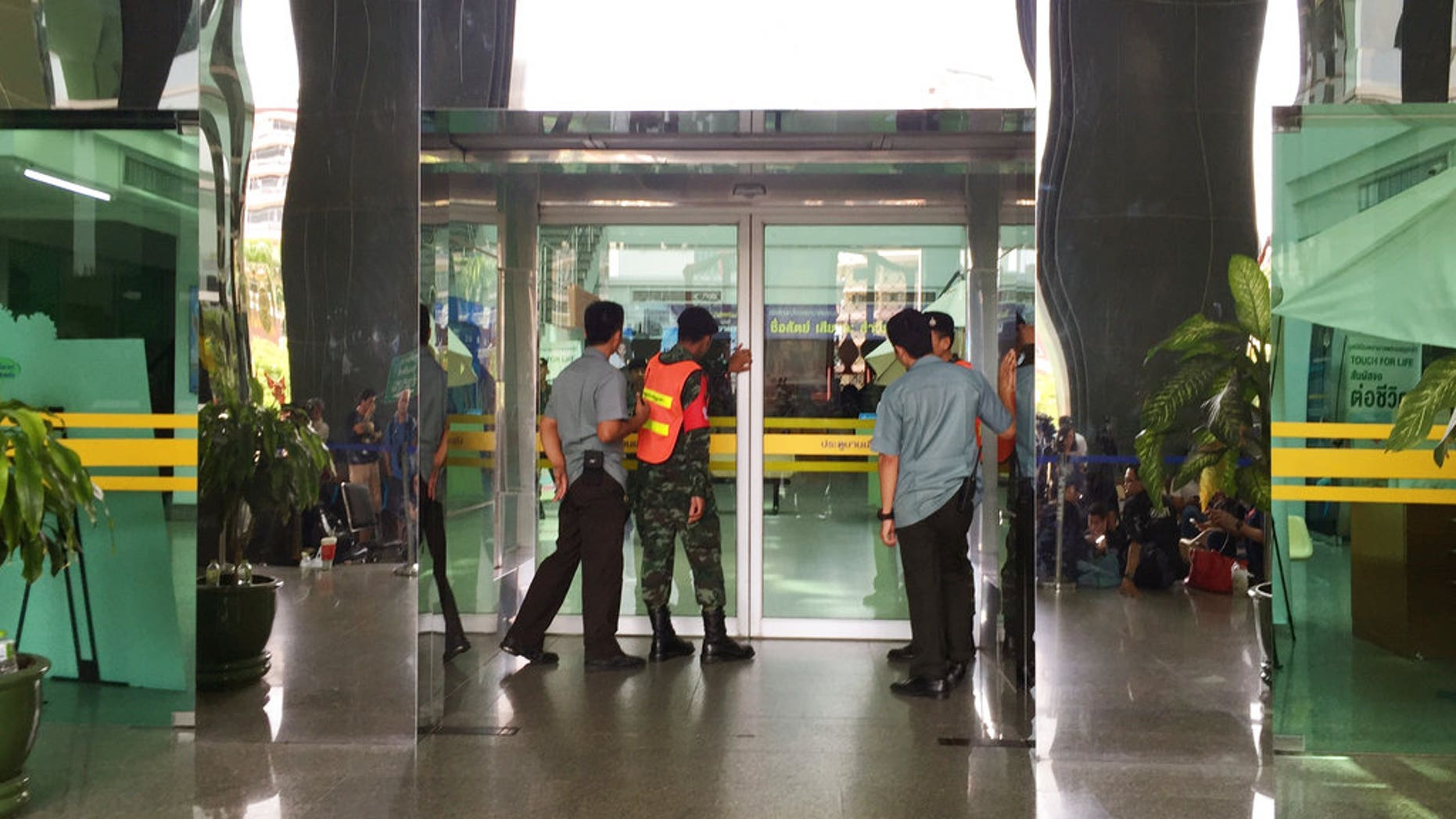 A bomb exploded at Phramongkutklao Hospital in Bangkok, wounding more than 20 people on Monday. (AP Photo/Sakchai Lalit)