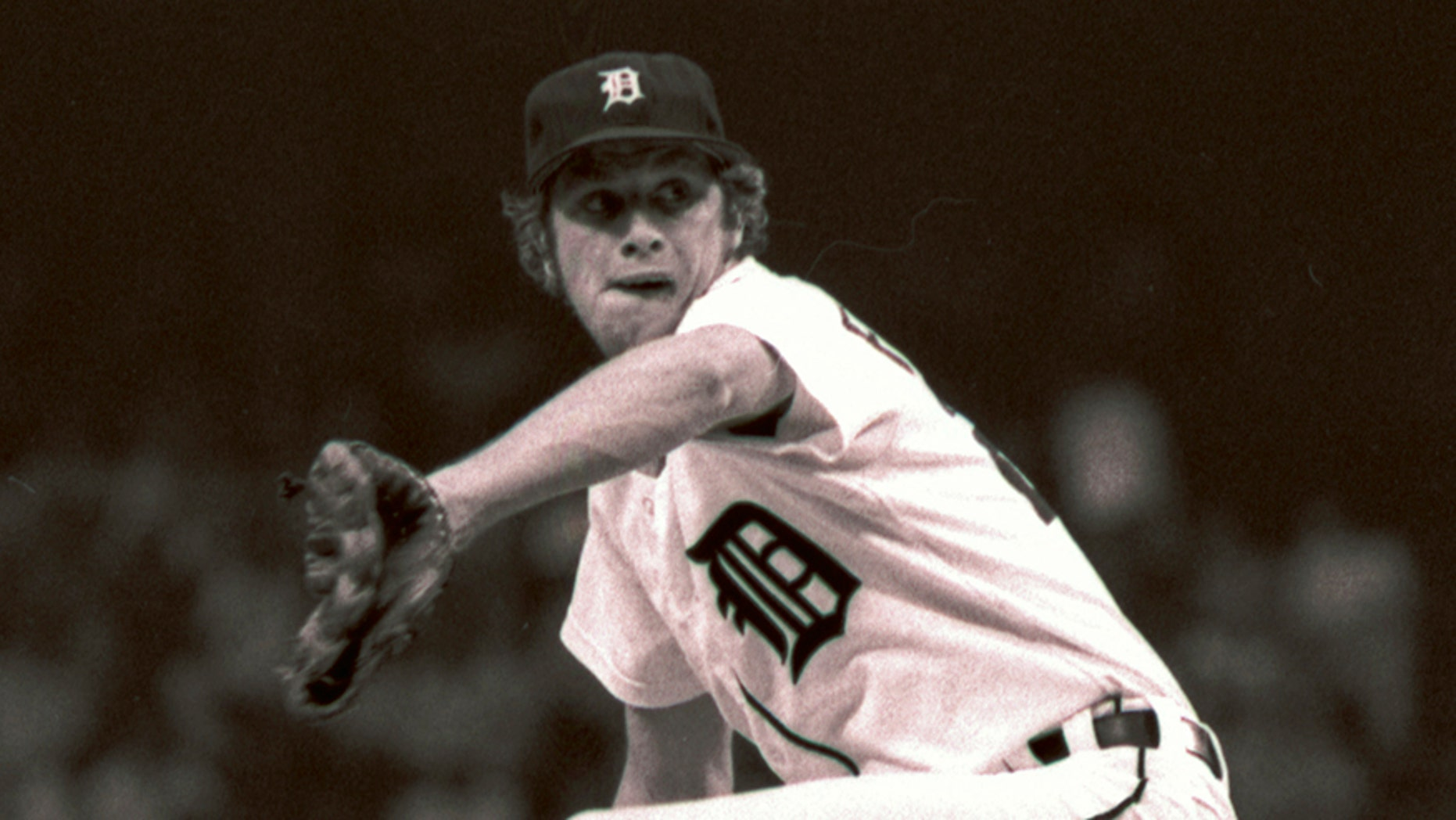 Court records show ex-Detroit Tigers pitcher Mark Fidrych died of asphyxiation in 2009 after his clothing became tangled in a spinning piece of a dump truck he was working on