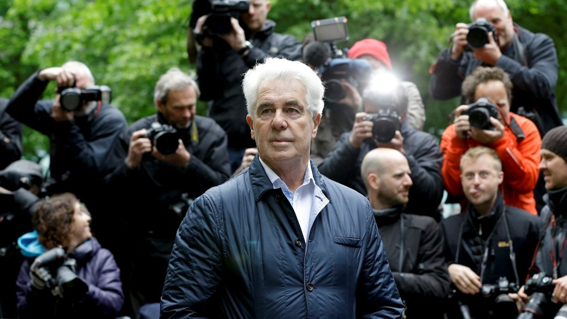 Disgraced celebrity publicist Max Clifford died on Sunday after collapsing in prison.