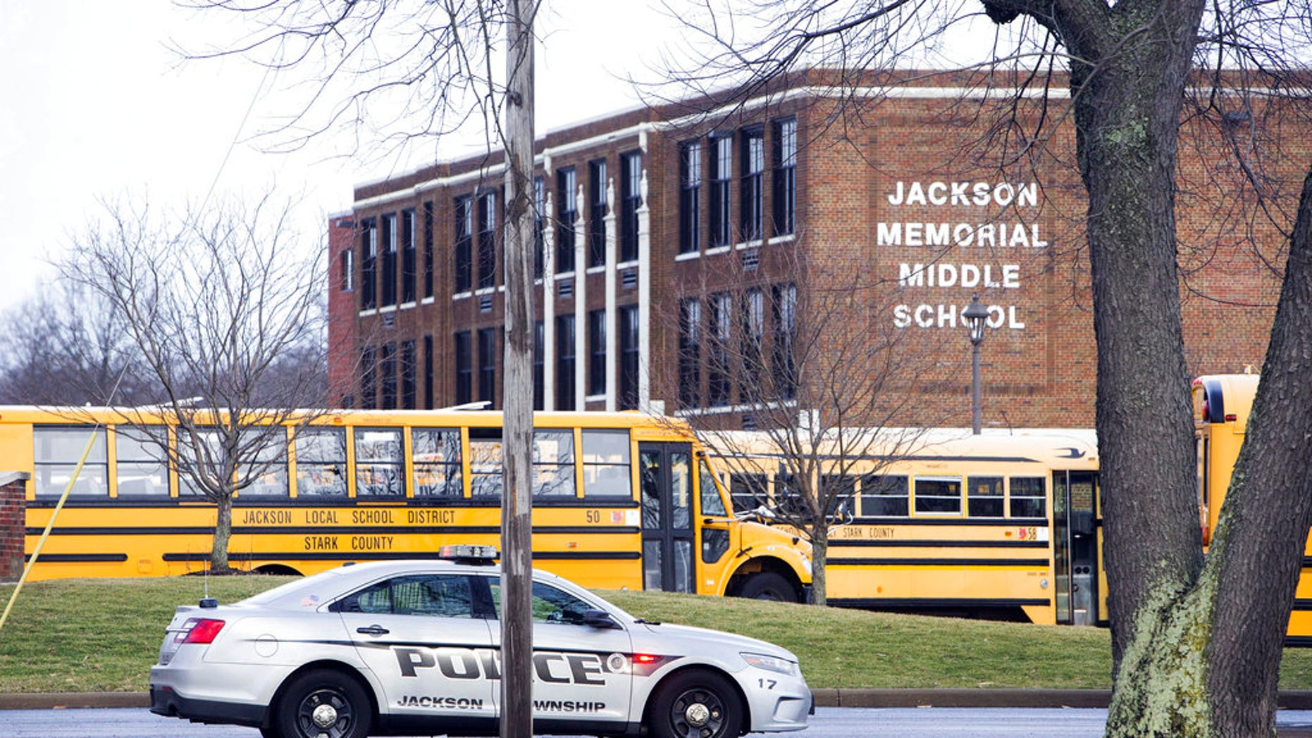 The Ohio middle school student who suffered an apparent self-inflicted gunshot wound on Tuesday has died, officials said.