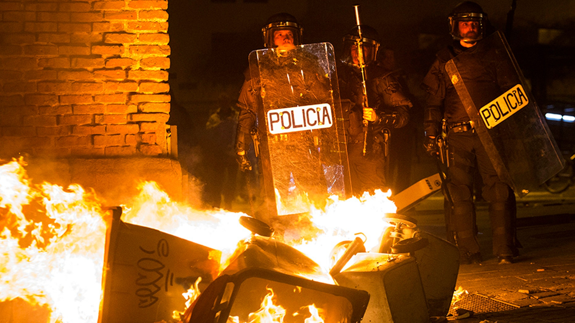 Street clashes erupted Thursday night in central Madrid after the death of a 35-year-old African vendor.