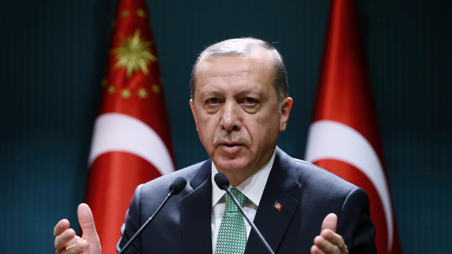 Turkish President Erdogan called on the Turks to take to the streets 16.07.2016 93