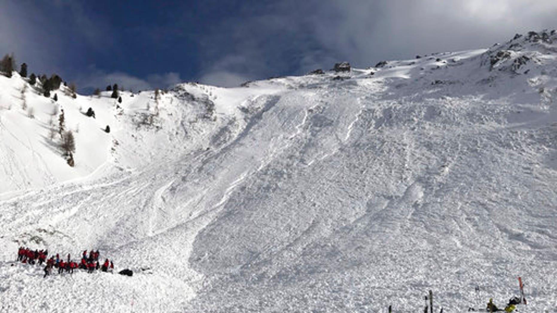 Rescue crews at the Jochgrubenkopf mountain.