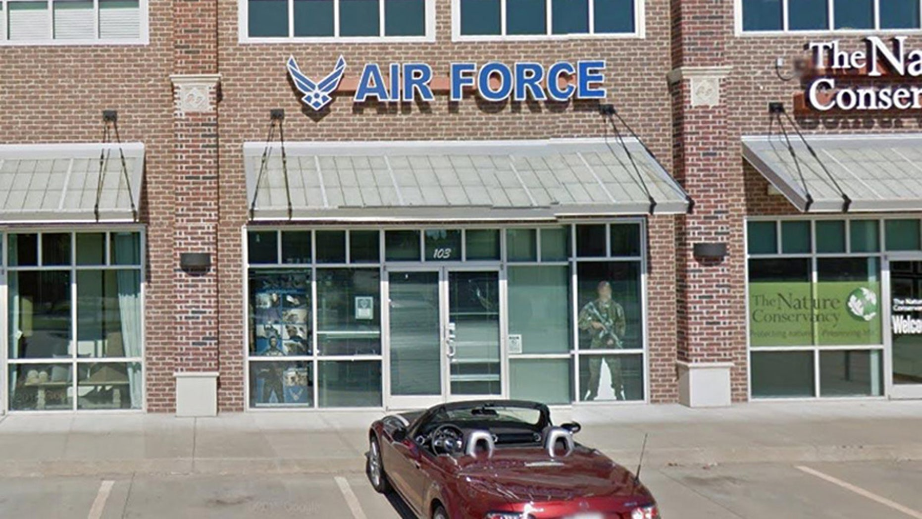 Air Force recruiting center near Tulsa, Oklahoma.