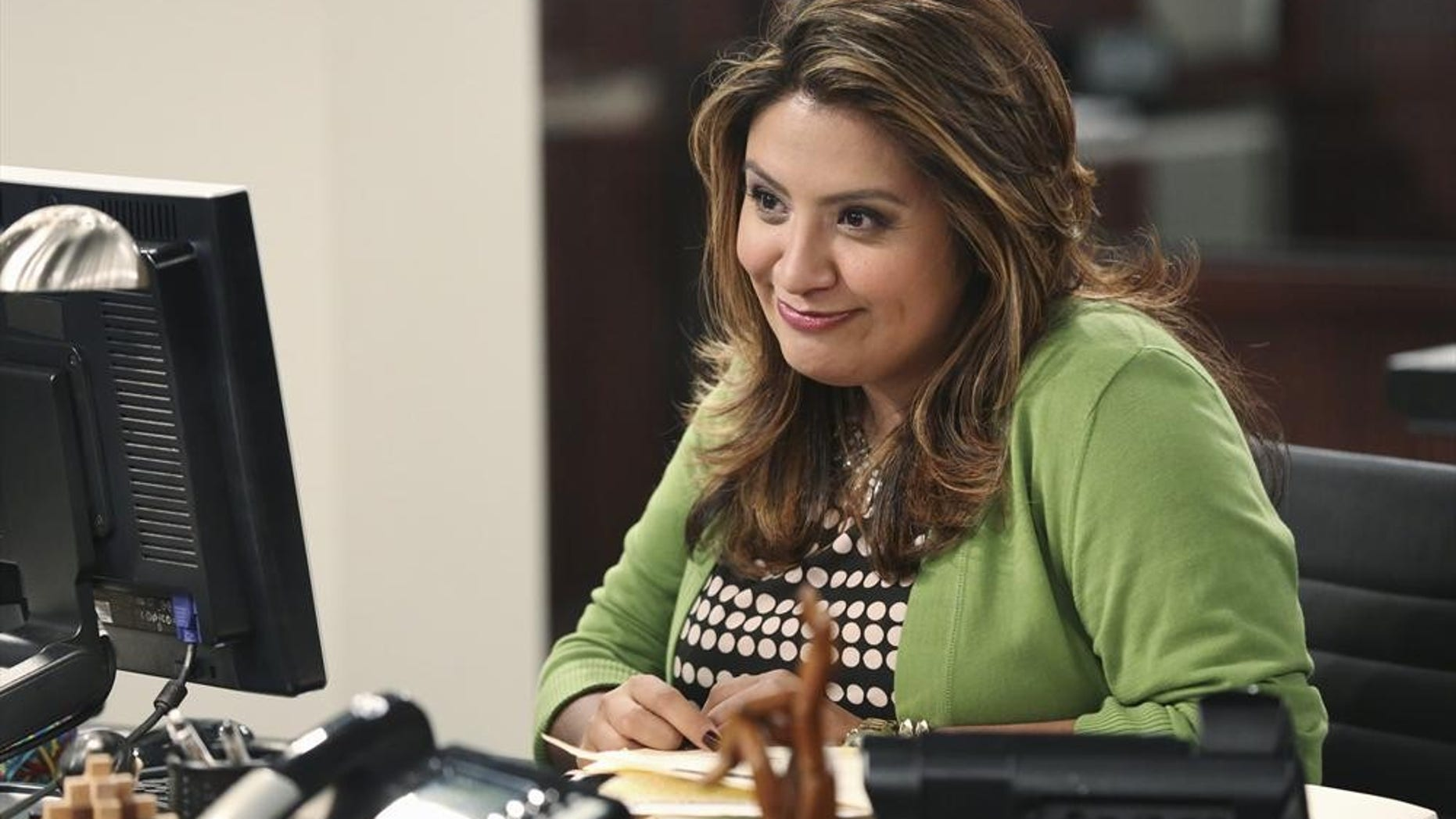 """CRISTELA - """"Equal Pay"""" - Cristela is frustrated when Trent asks her to work on a case that supports unequal pay for women in the workplace. Meanwhile, Cristela finds some satisfaction when she learns that Daniela has been making more money than Felix for years...which she has kept as a secret...and Cristela is thus drawn into an emotional argument at home, on """"Cristela,"""" FRIDAY, OCTOBER 24 (8:31-9:00 p.m., ET), on the ABC Television Network. (ABC/Adam Taylor)CRISTELA ALONZO"""