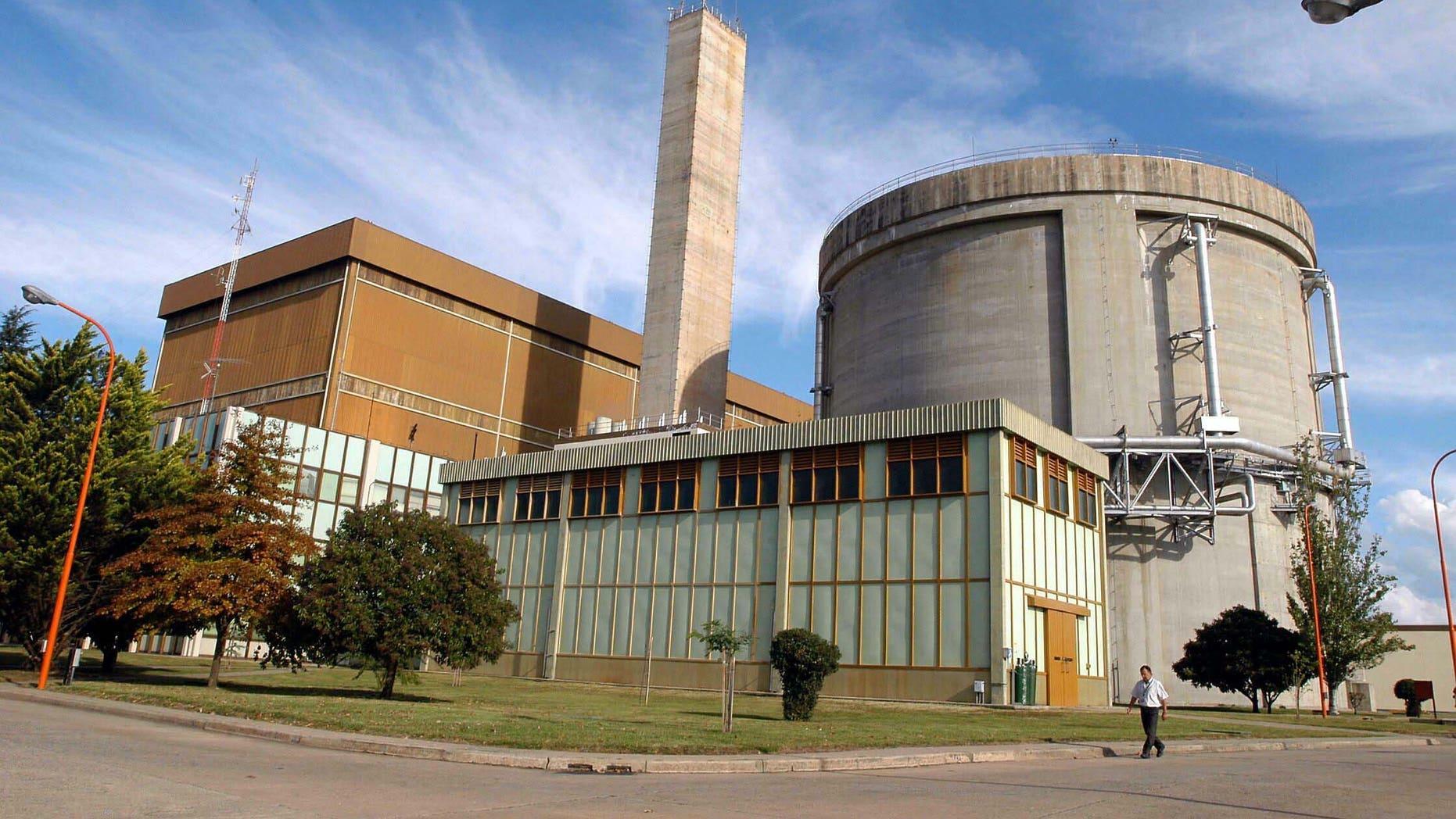 Embalse. Central Nuclear. Vista de la planta, desde adentro del predio. Foto Rinaudo, 26.4.08  26ato4.jpg    3322979