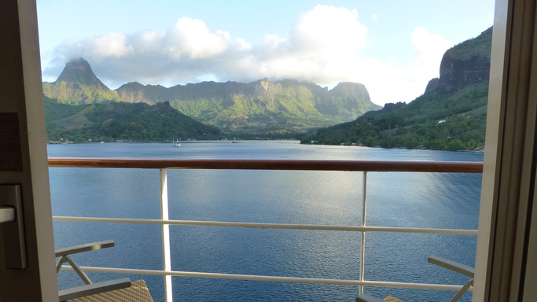 Review these tips before booking a cruise ship balcony room.